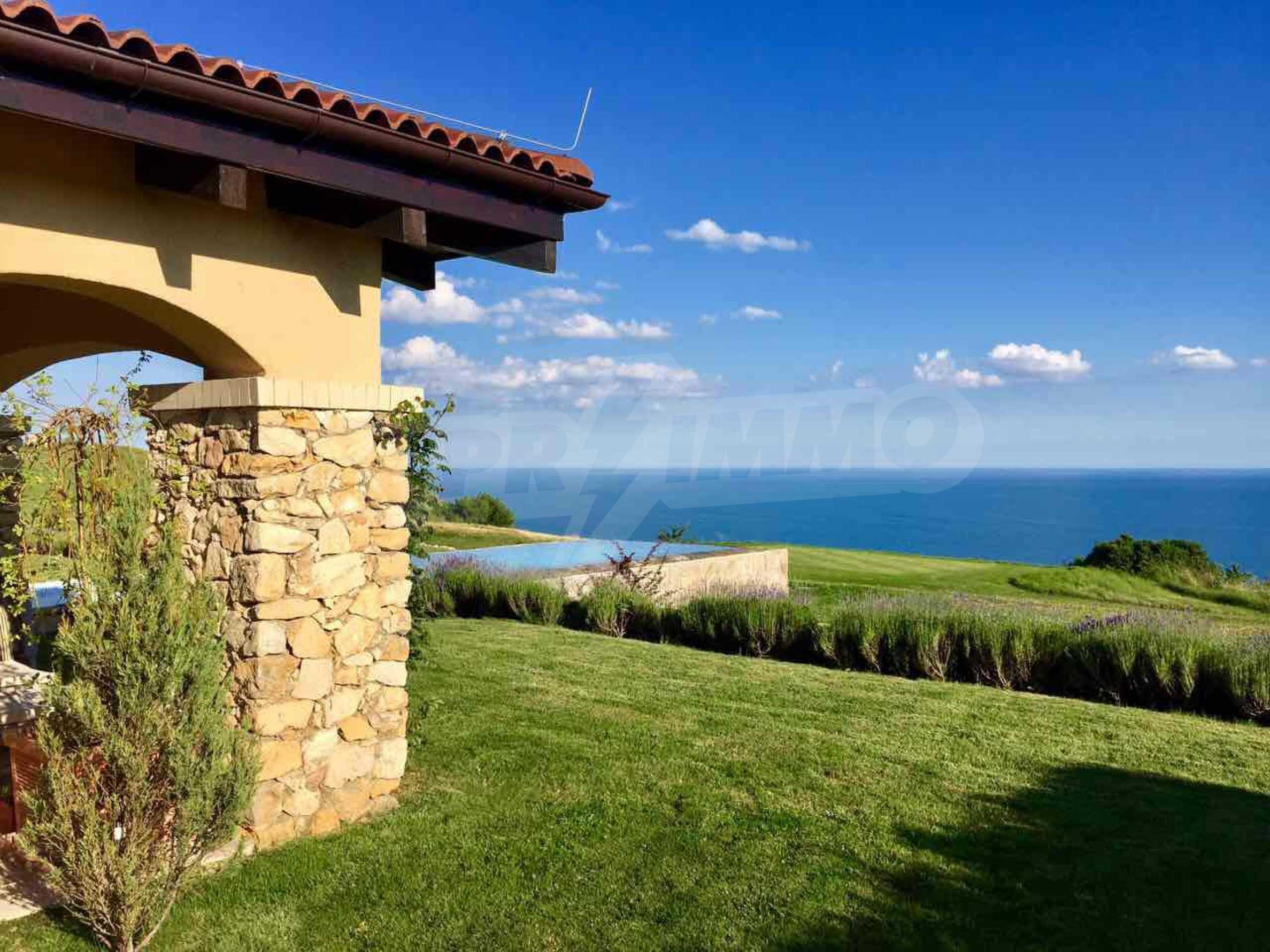 Прекрасна къща в престижен голф комплекс 11