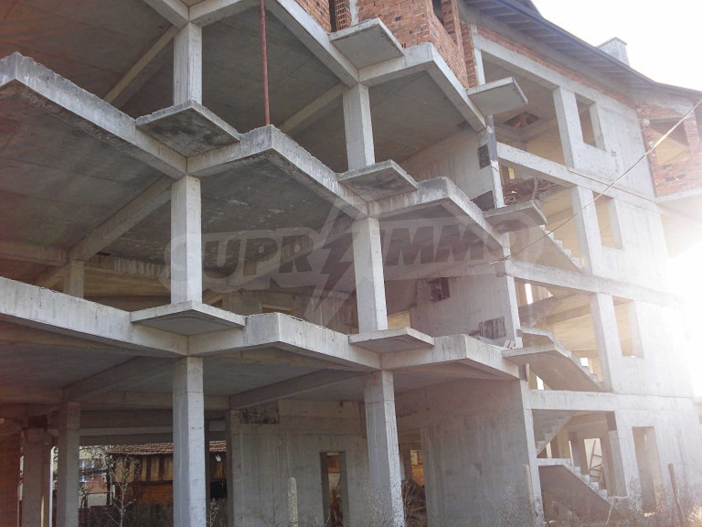 Three-storey hotel at shell stage for sale in Bansko  3