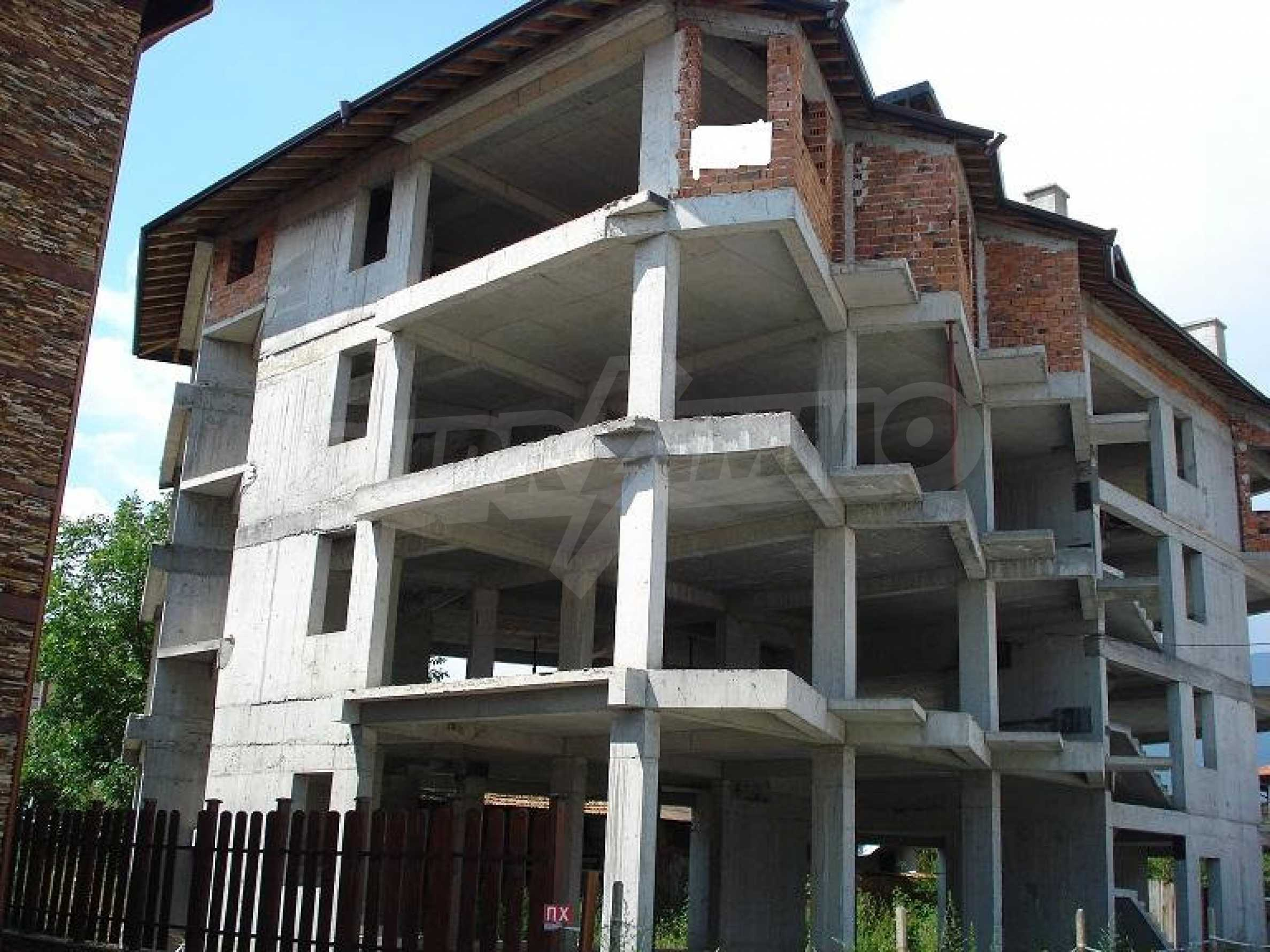 Three-storey hotel at shell stage for sale in Bansko  6