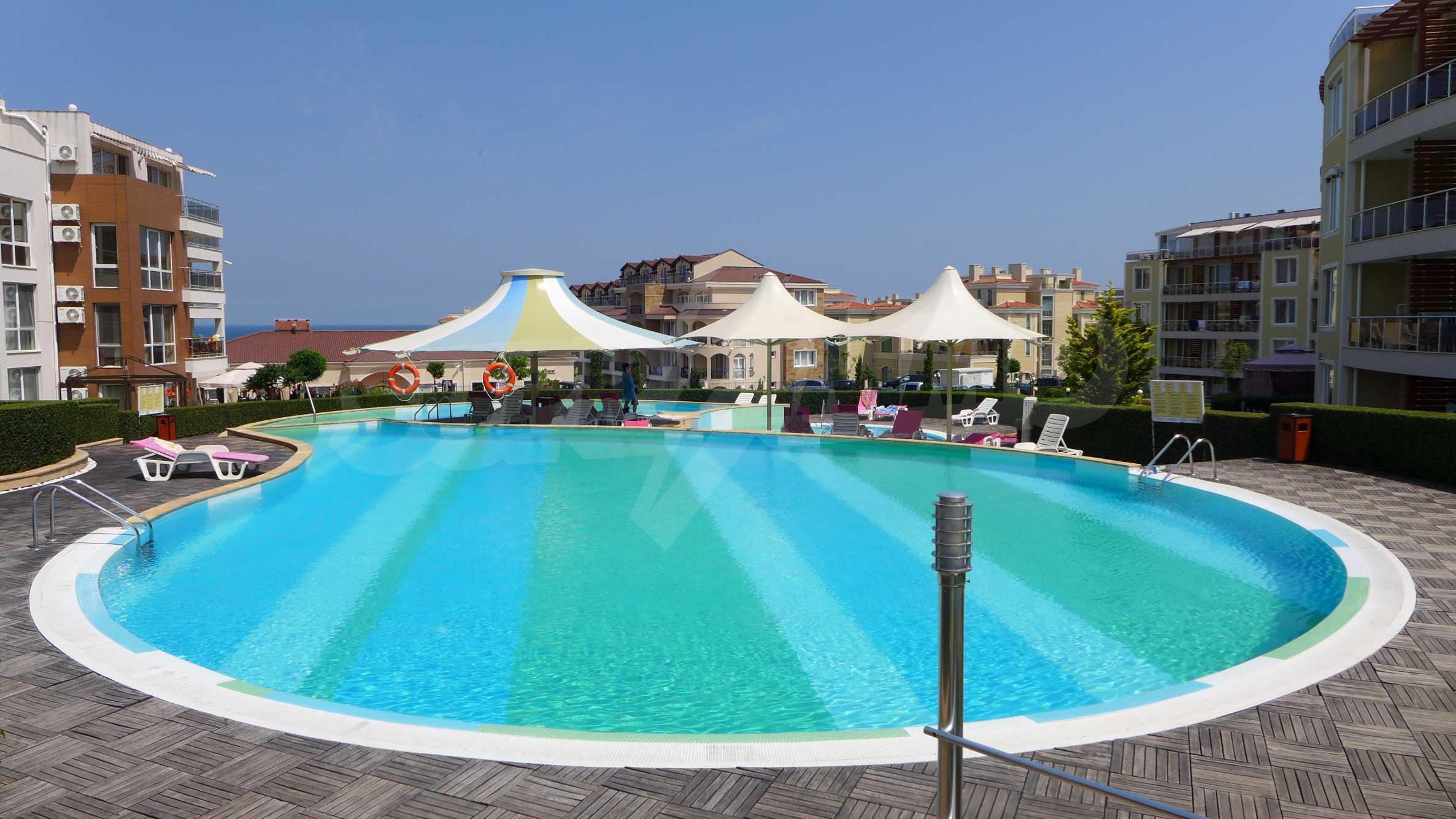 Комплекс Sunny Island в Черноморец 3