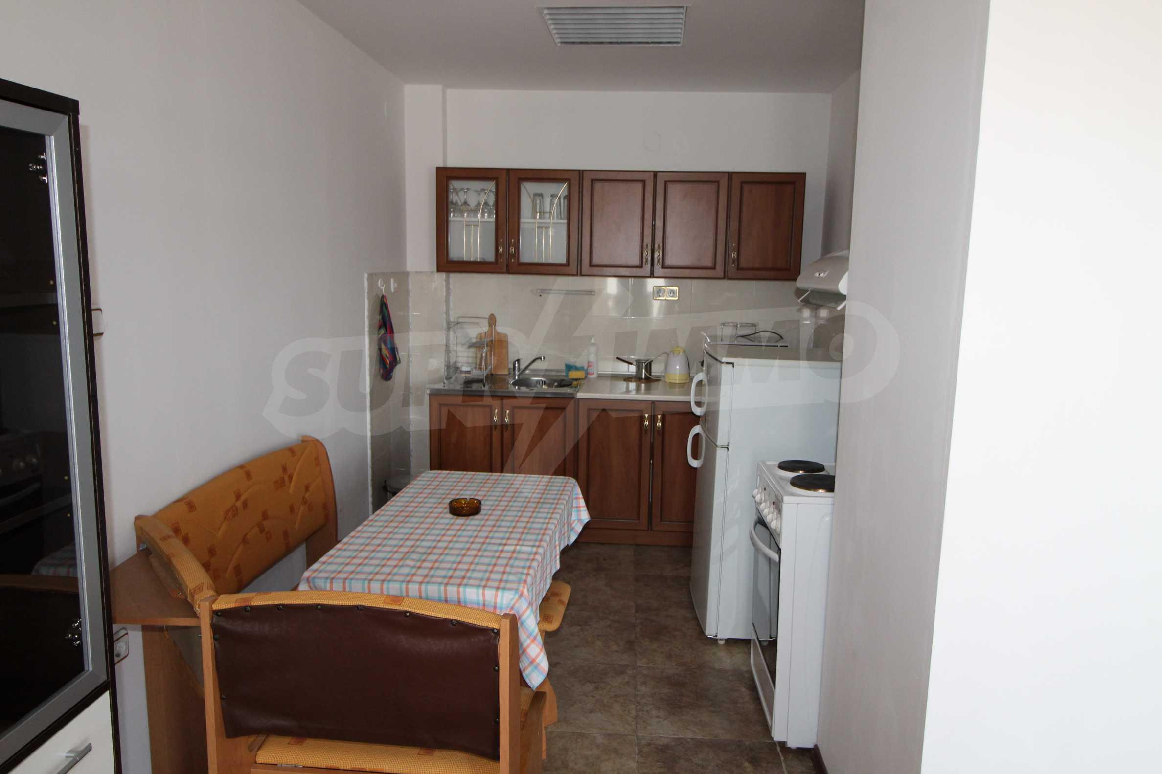 Уютен тристаен апартамент в Банско 2