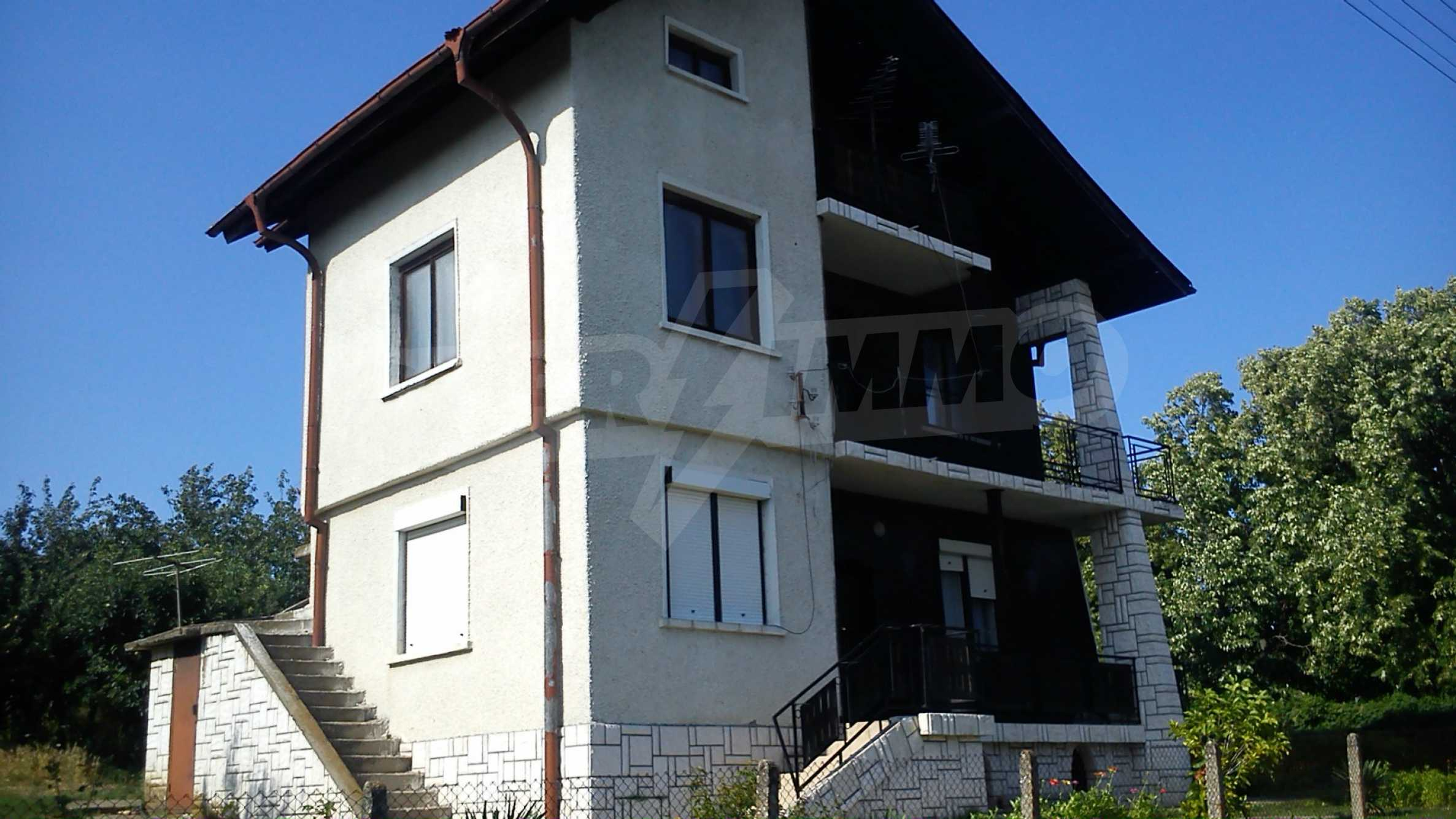 3-storey villa with garden in picturesque village near Vidin 1