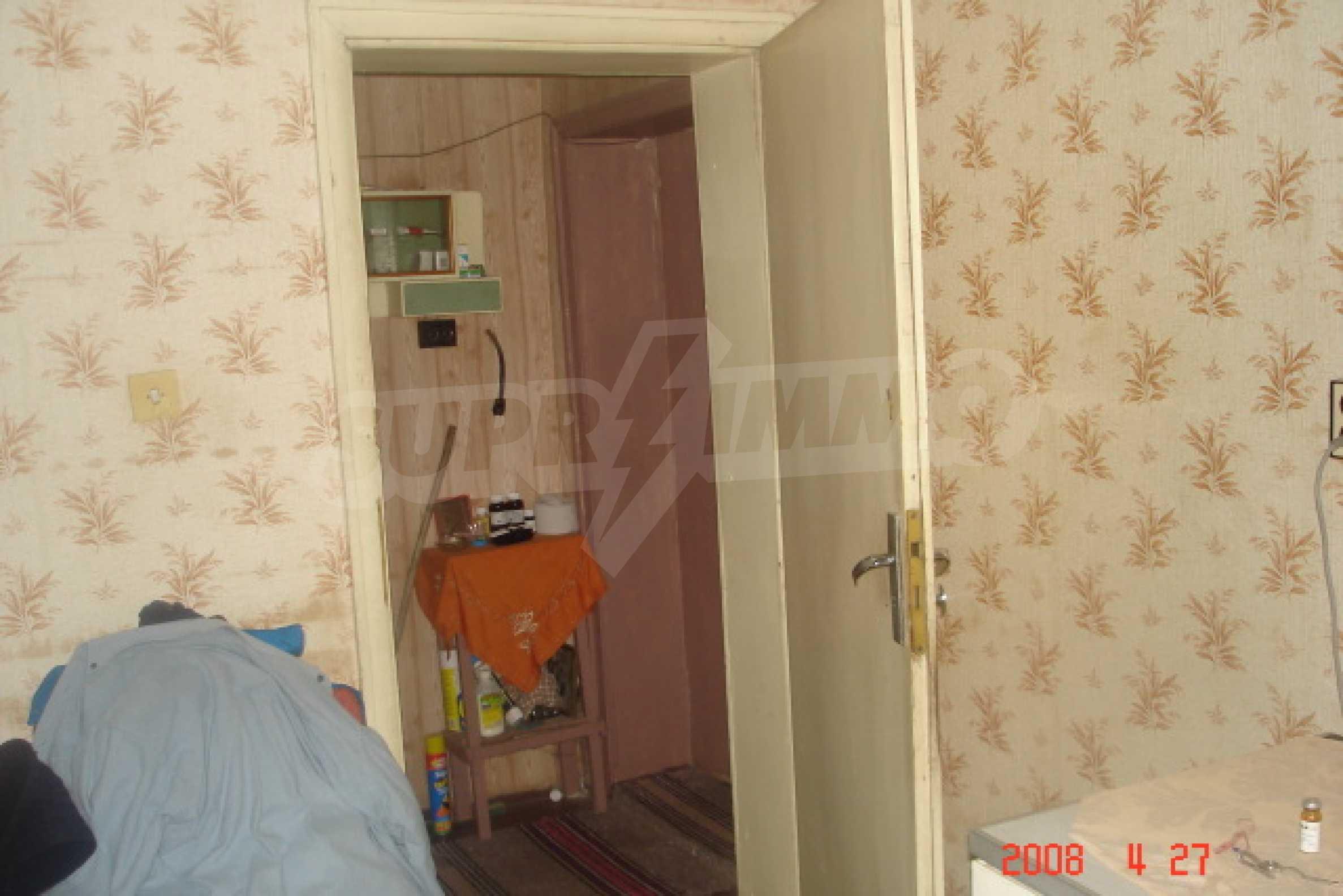 Къща в голямо село на 10 км от гр. Белоградчик 11