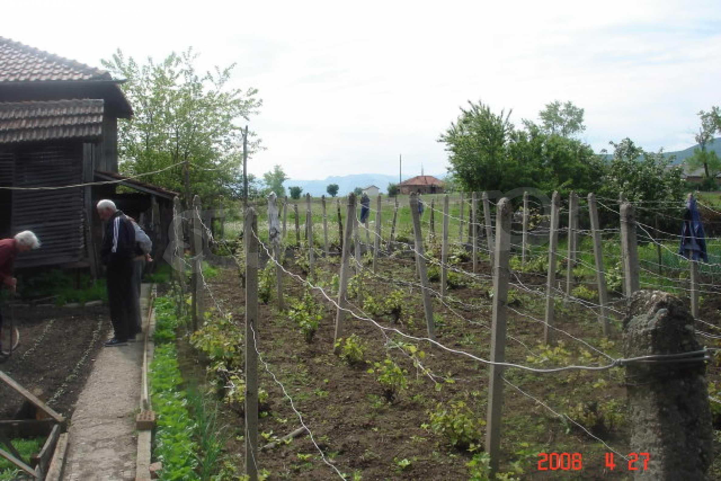 Къща в голямо село на 10 км от гр. Белоградчик 20
