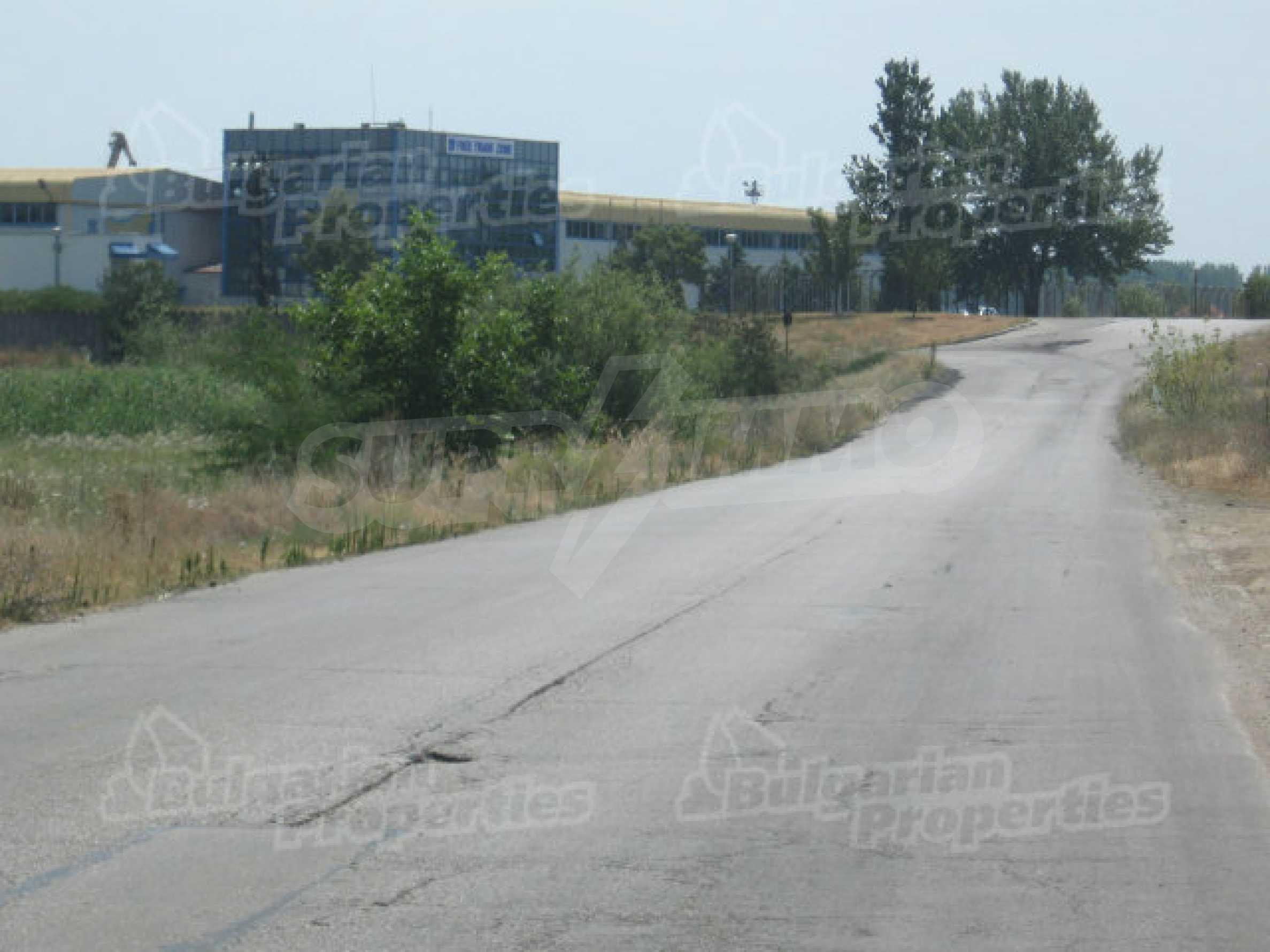 Umfangreiches Investitionsgrundstück nahe der Donaubrücke 2 7