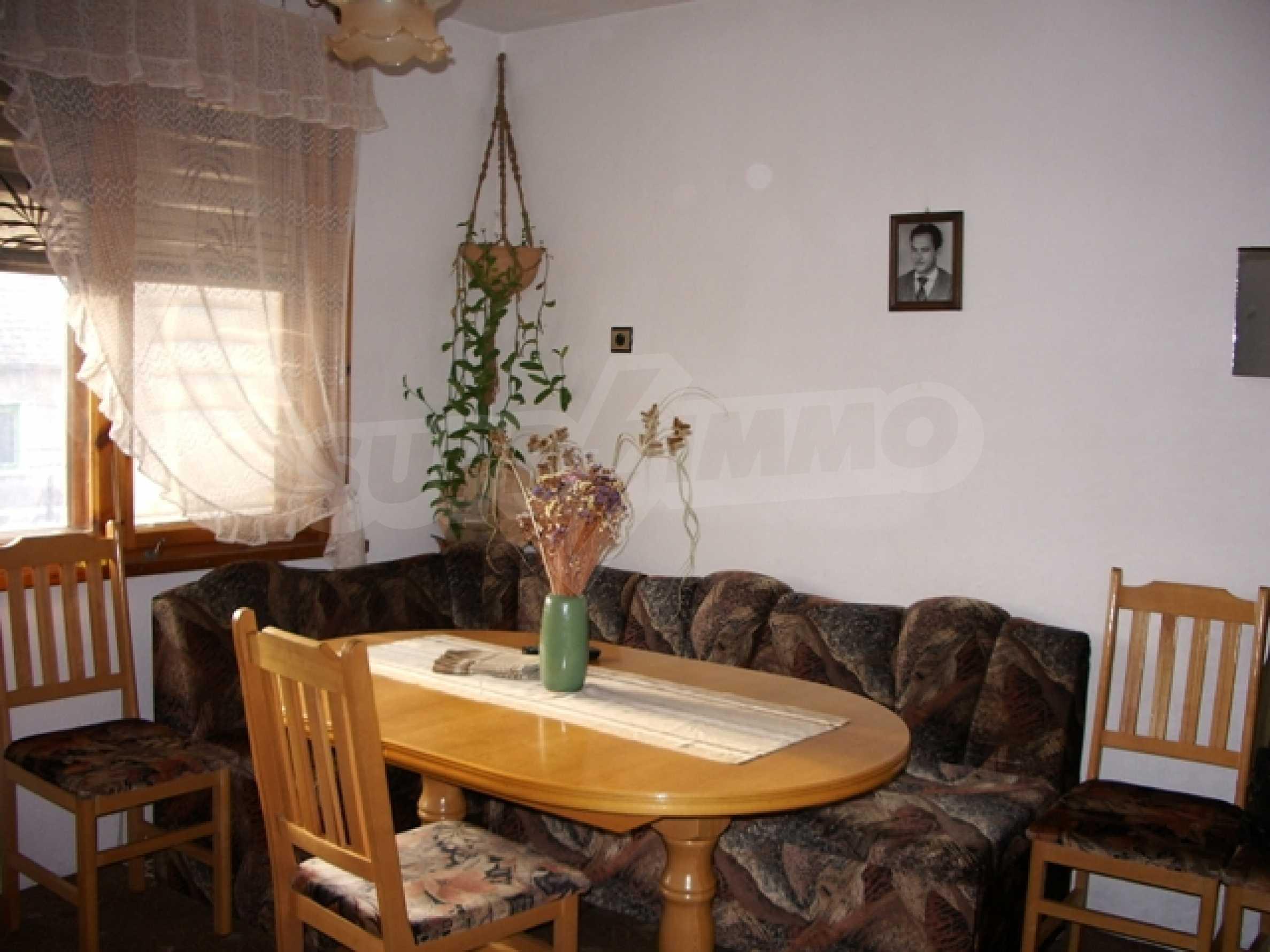 Триетажна къща близо до Варна 4
