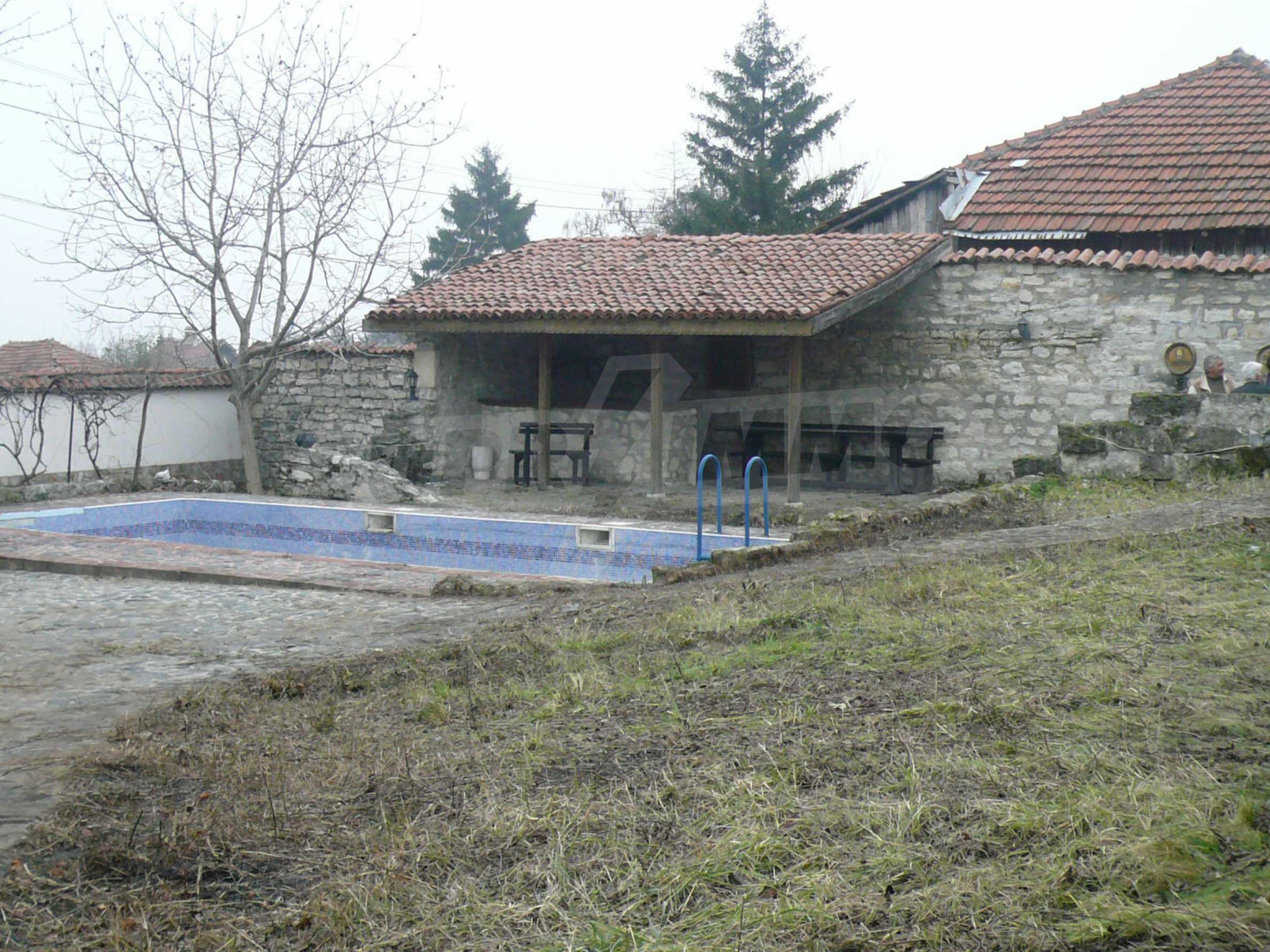 Голяма двуетажна къща близо до Видин 13