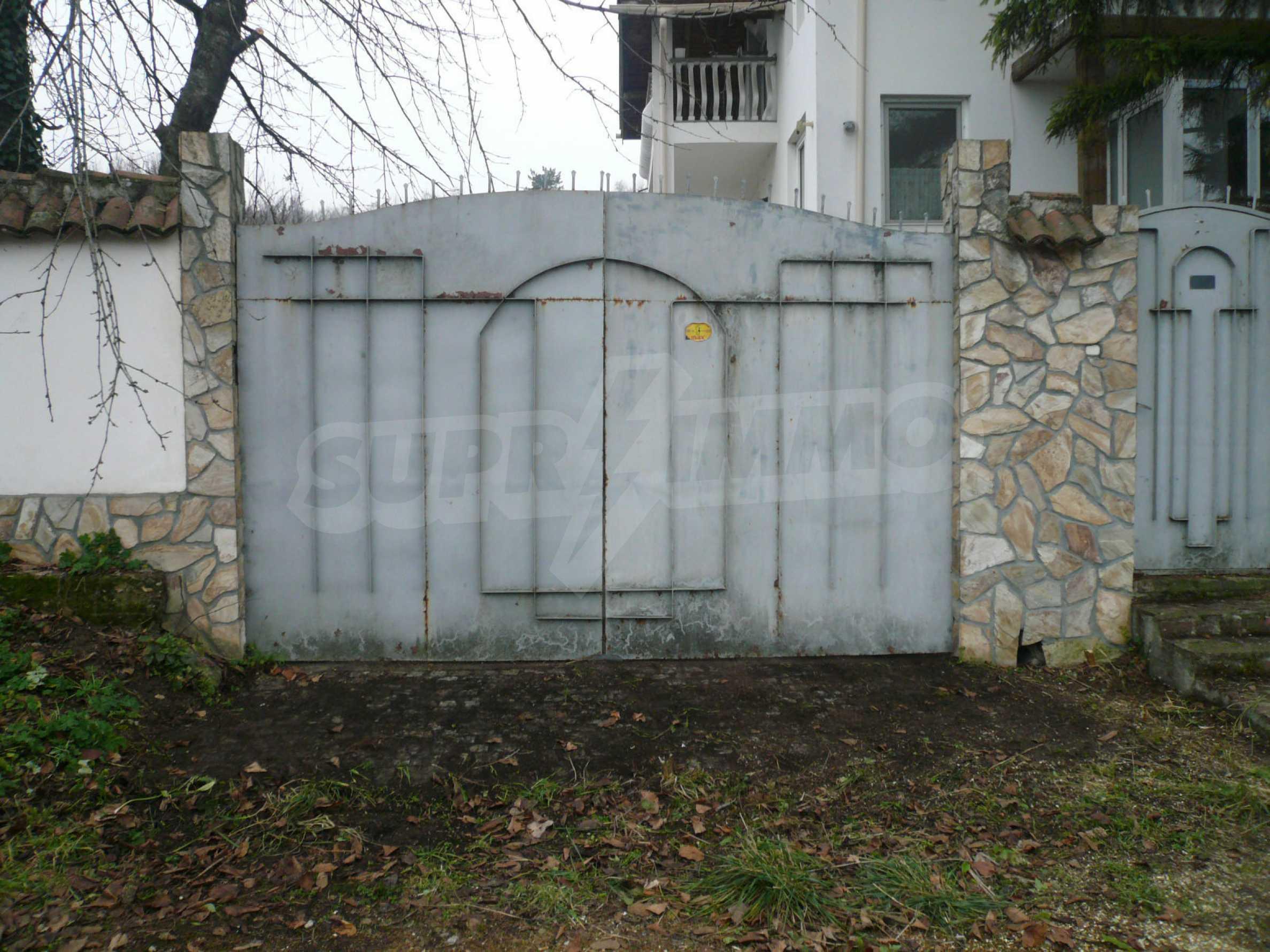 Голяма двуетажна къща близо до Видин 37