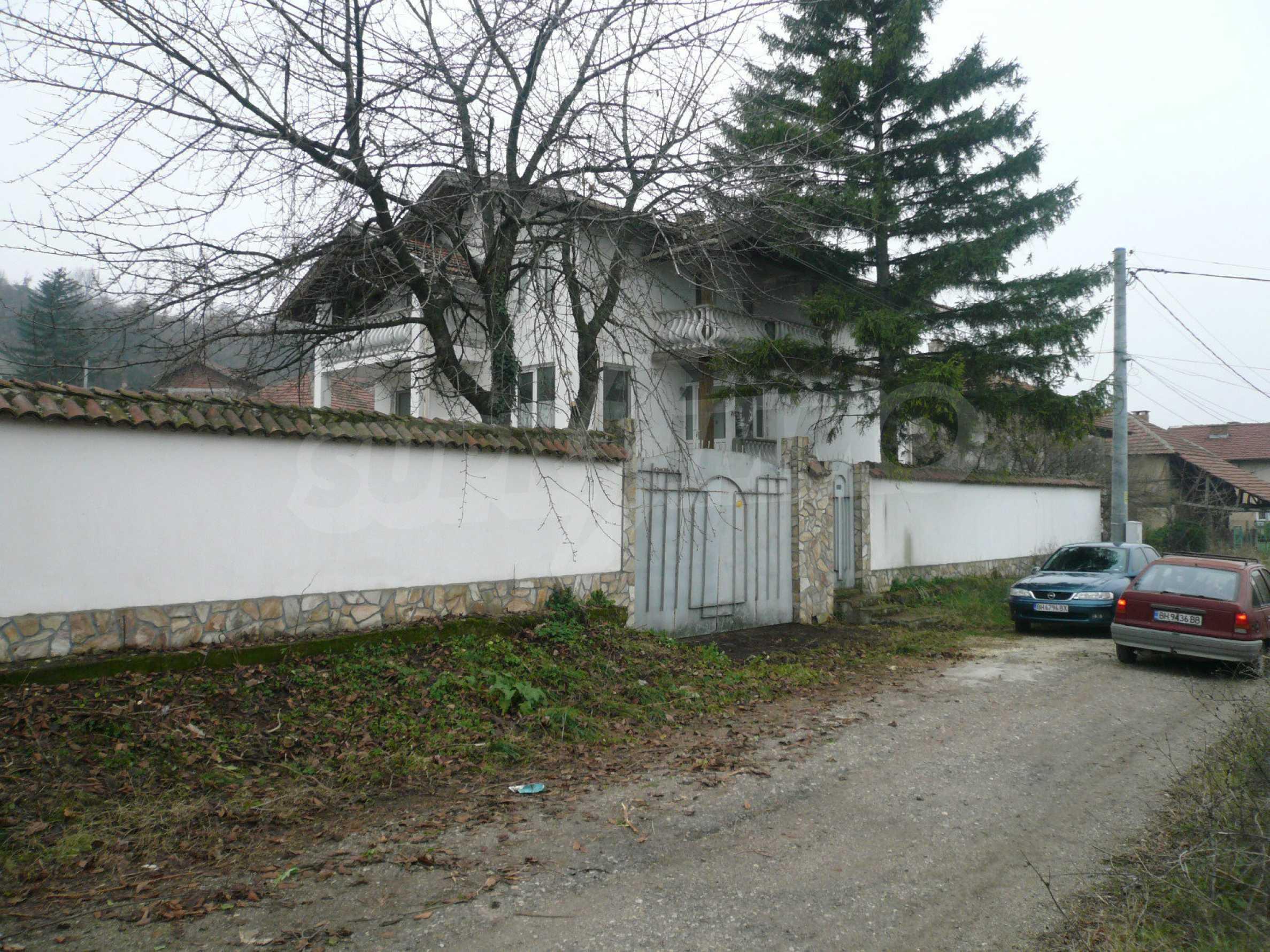Голяма двуетажна къща близо до Видин 40