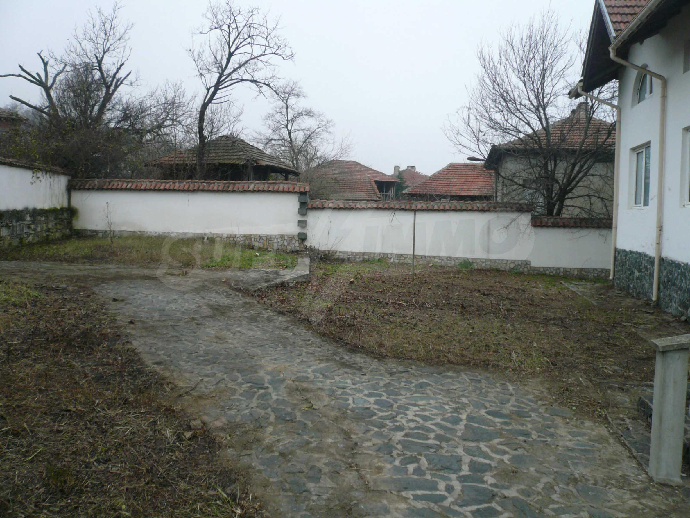 Голяма двуетажна къща близо до Видин 5