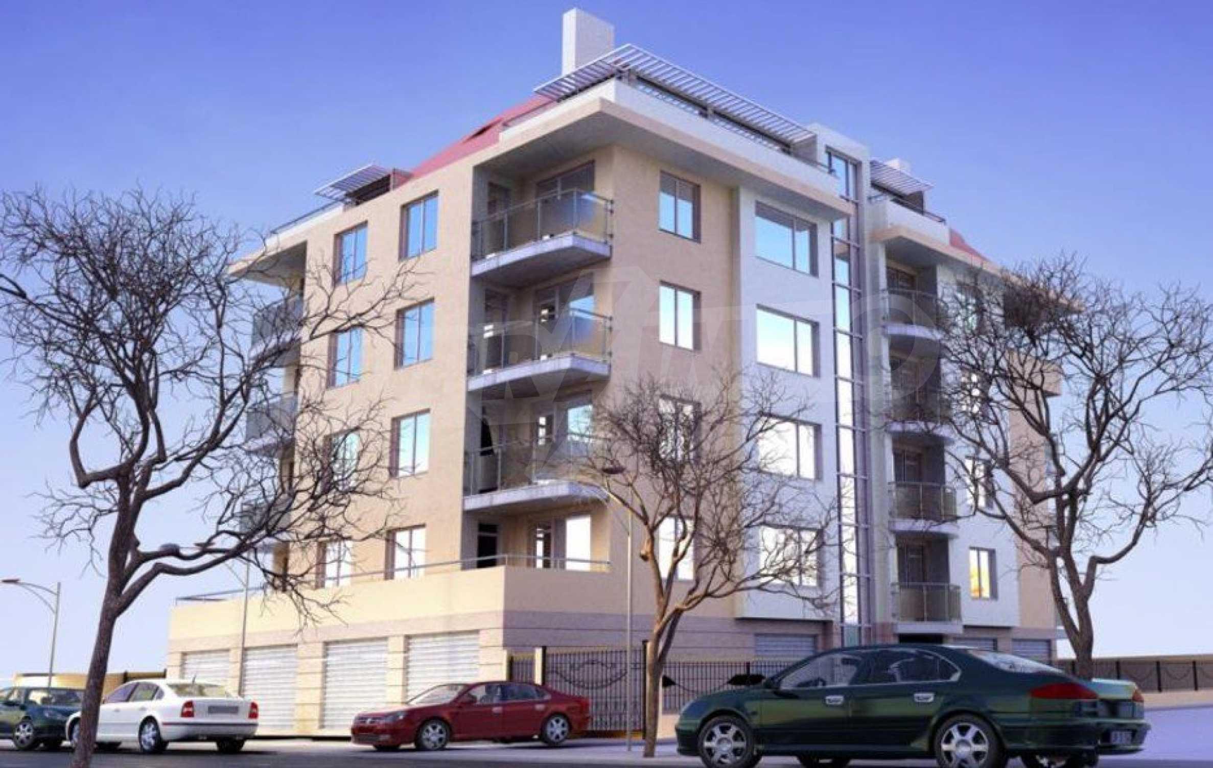 Новострояща се сграда с гаражи в добре развит квартал на София