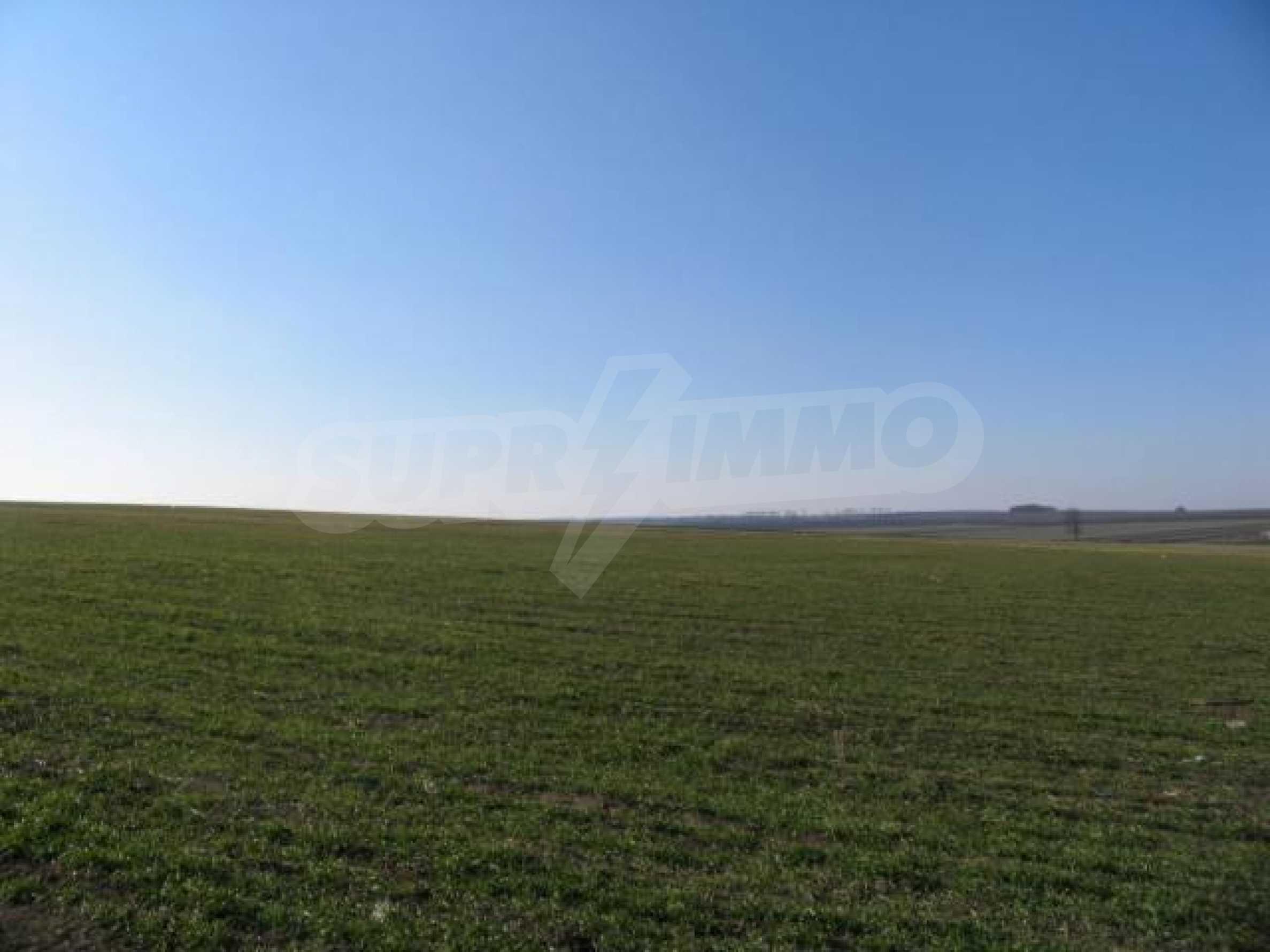 Земля для продажи в деревне Slaveevo - 15 км от курорта Албена