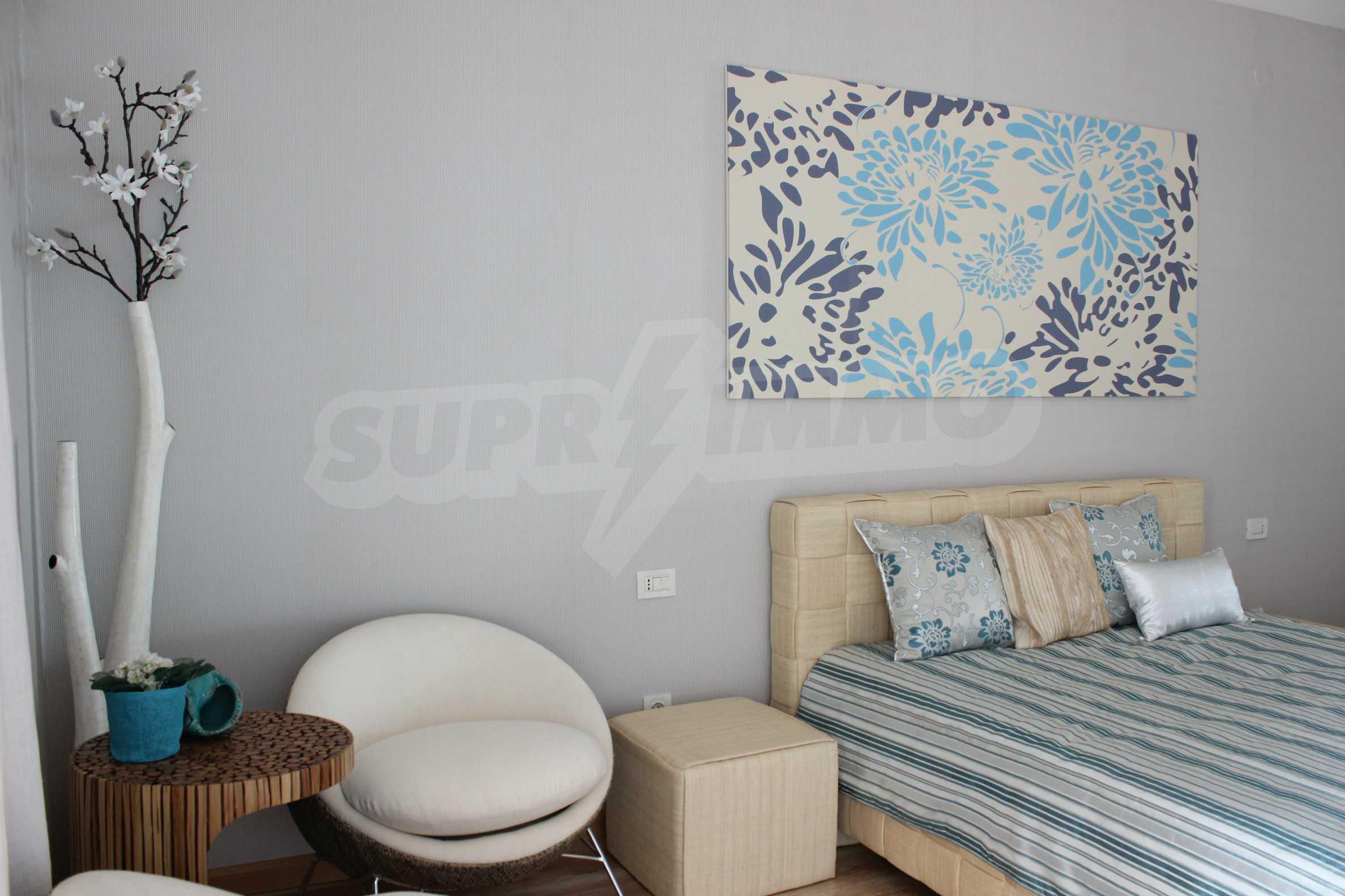 Апартамент Порт Палас 24