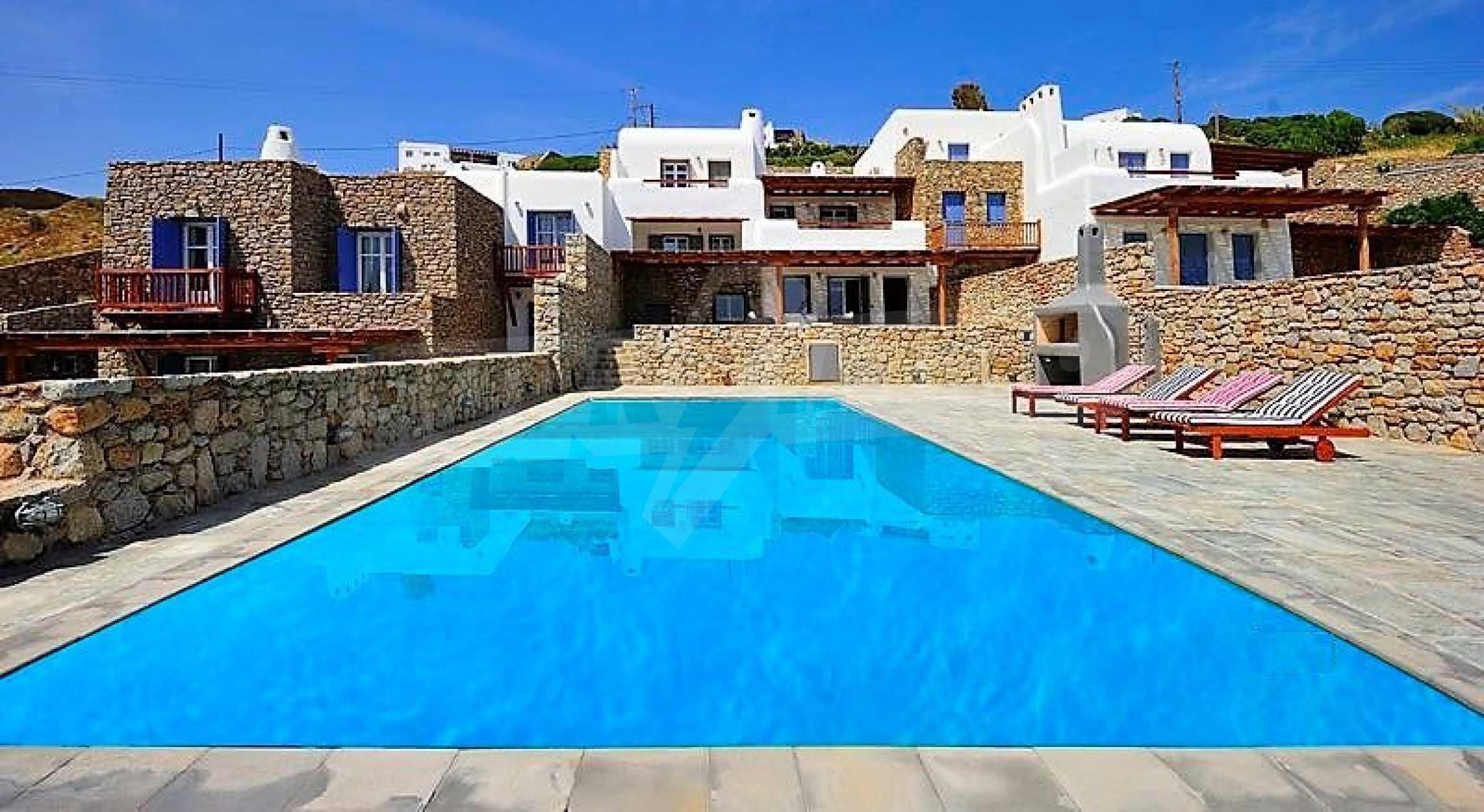 Вила на остров Миконос, образец за съвременен лукс и висока естетика