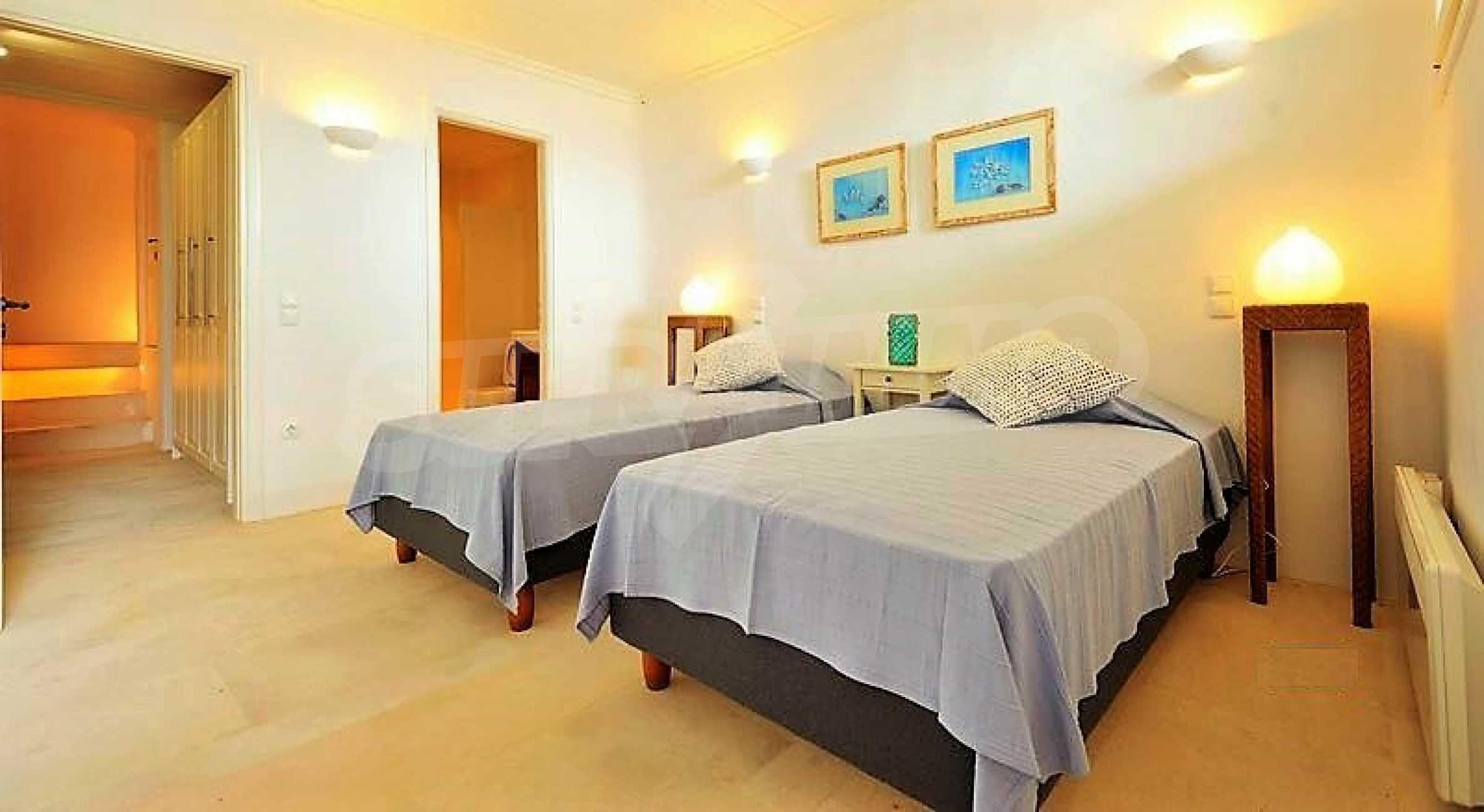 Вила на остров Миконос, образец за съвременен лукс и висока естетика 9