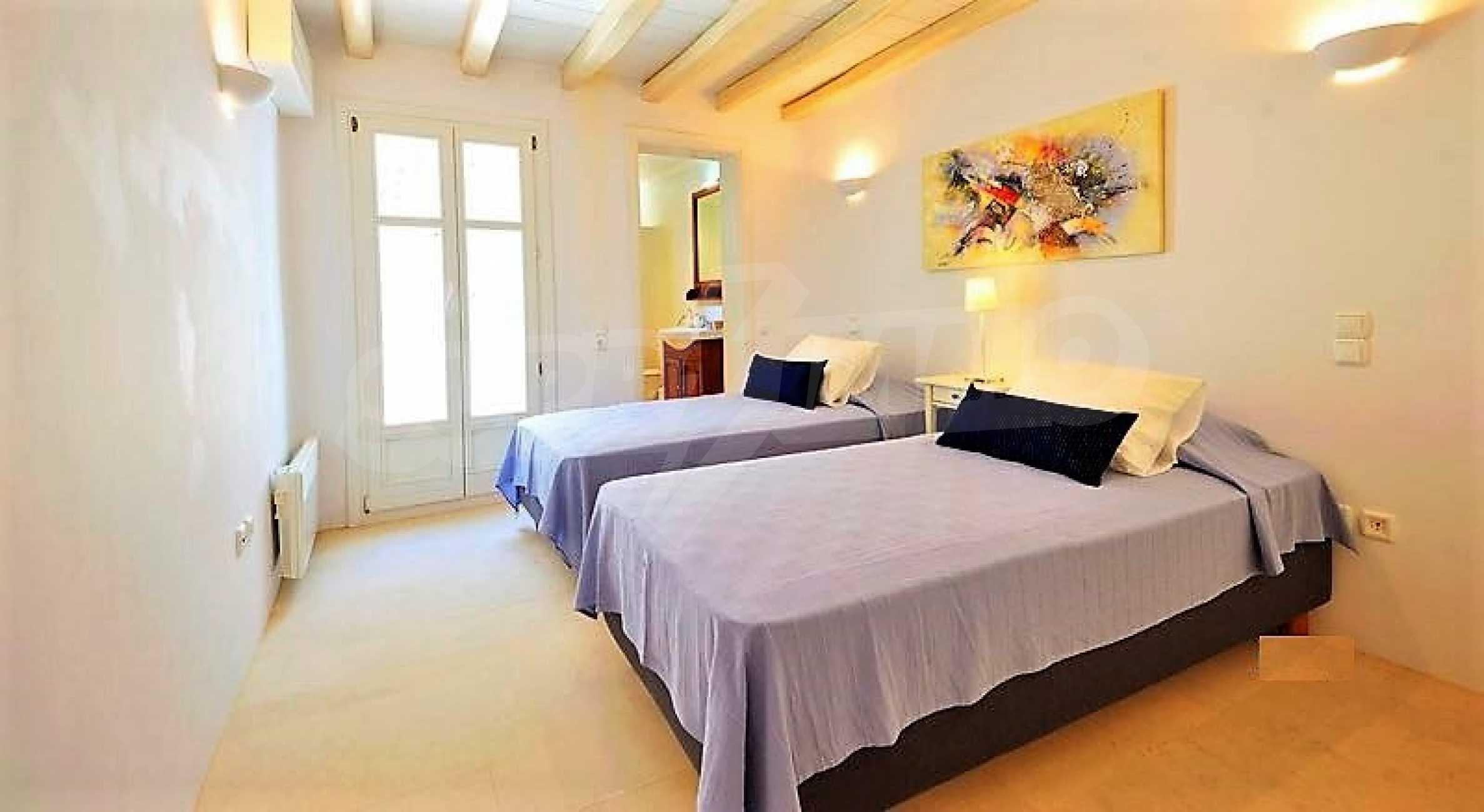 Вила на остров Миконос, образец за съвременен лукс и висока естетика 12