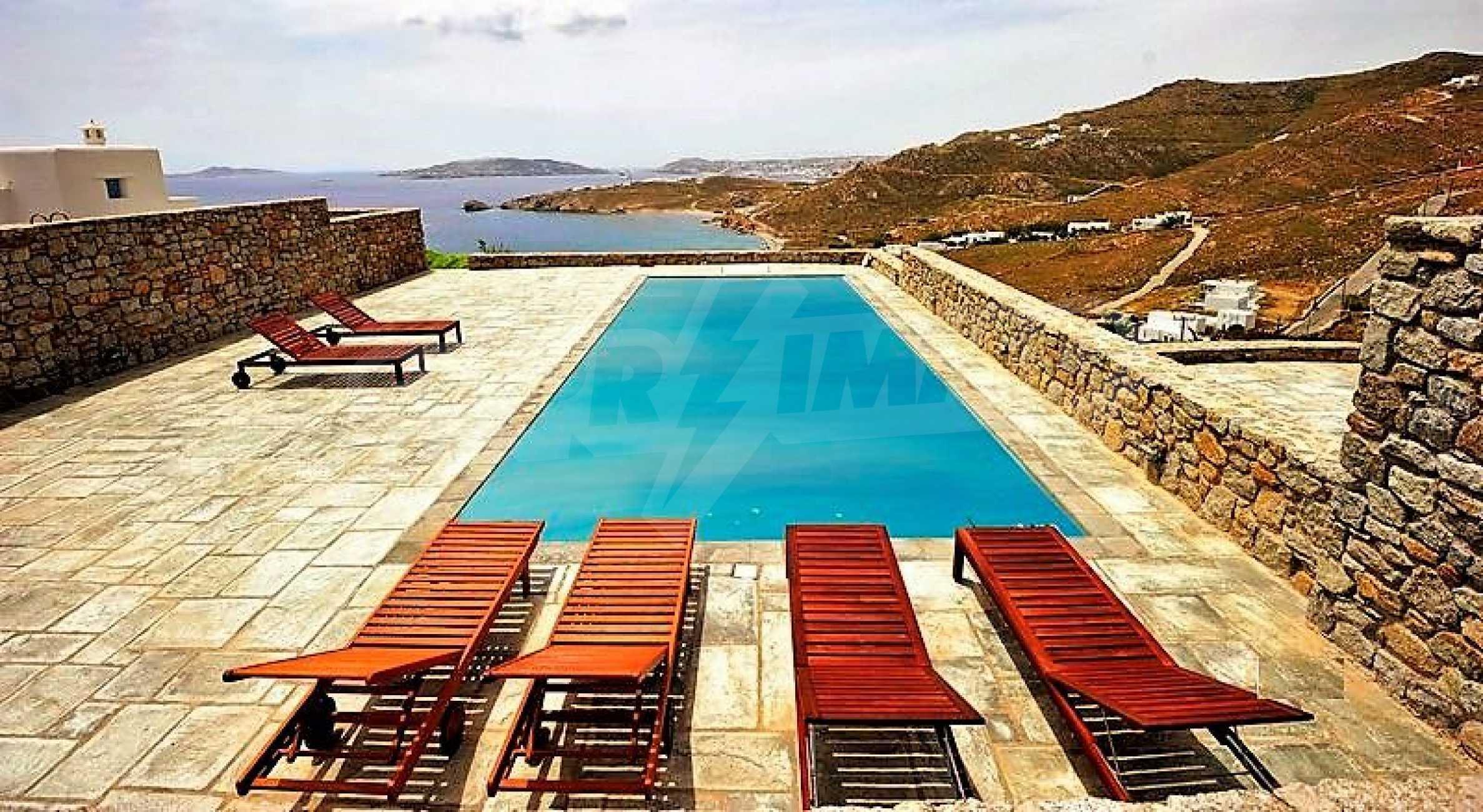 Вила на остров Миконос, образец за съвременен лукс и висока естетика 1