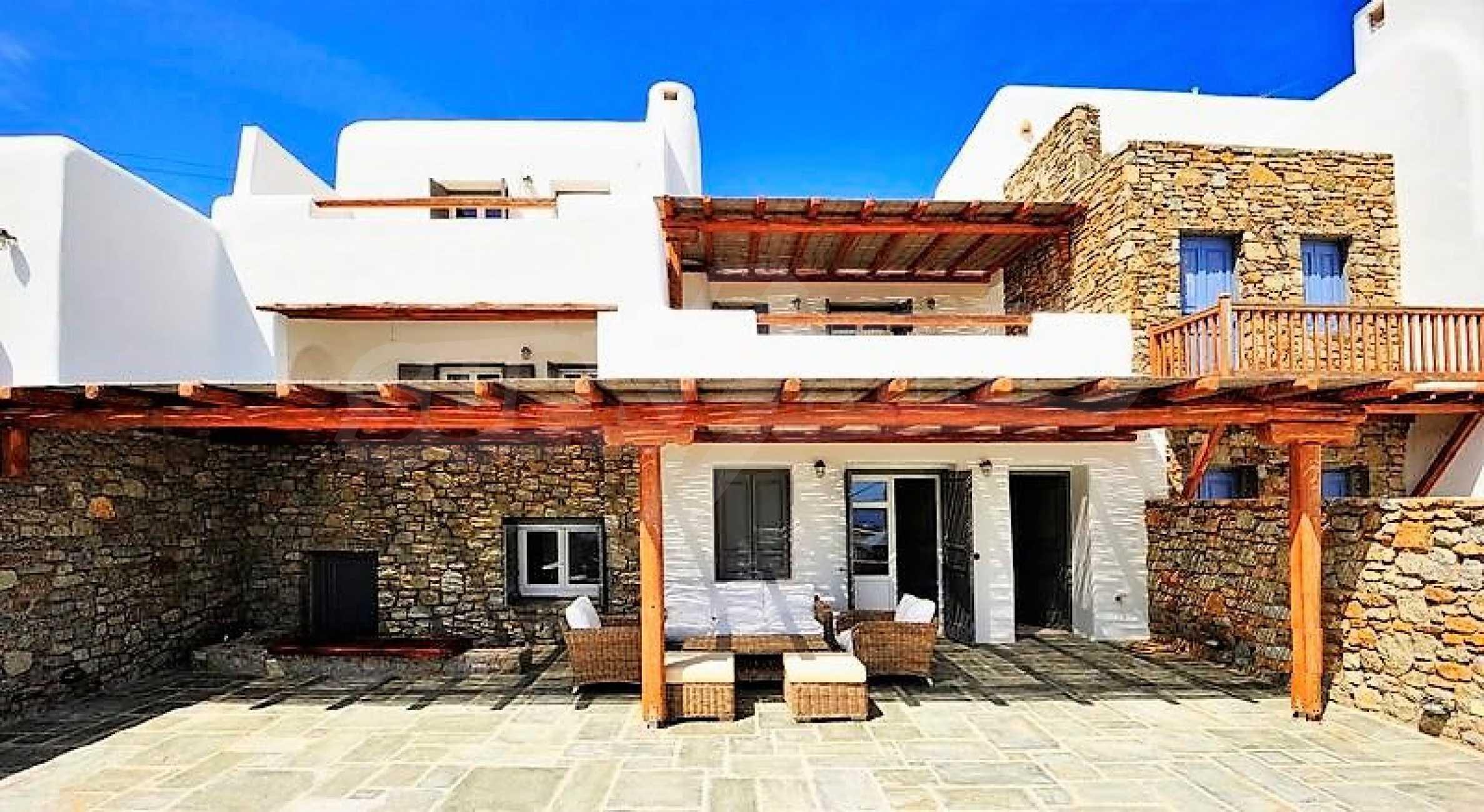Вила на остров Миконос, образец за съвременен лукс и висока естетика 2
