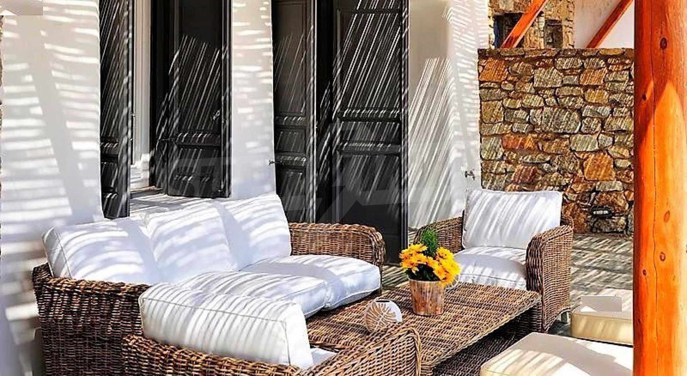 Вила на остров Миконос, образец за съвременен лукс и висока естетика 3