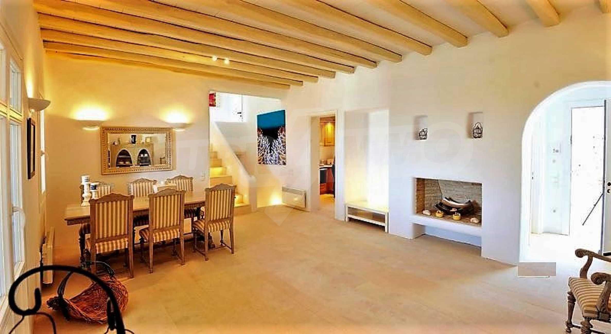 Вила на остров Миконос, образец за съвременен лукс и висока естетика 6