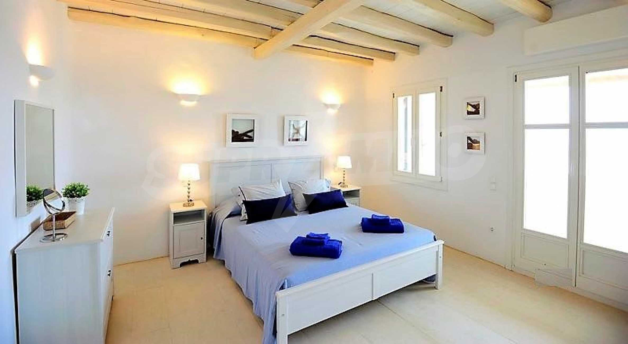 Вила на остров Миконос, образец за съвременен лукс и висока естетика 8