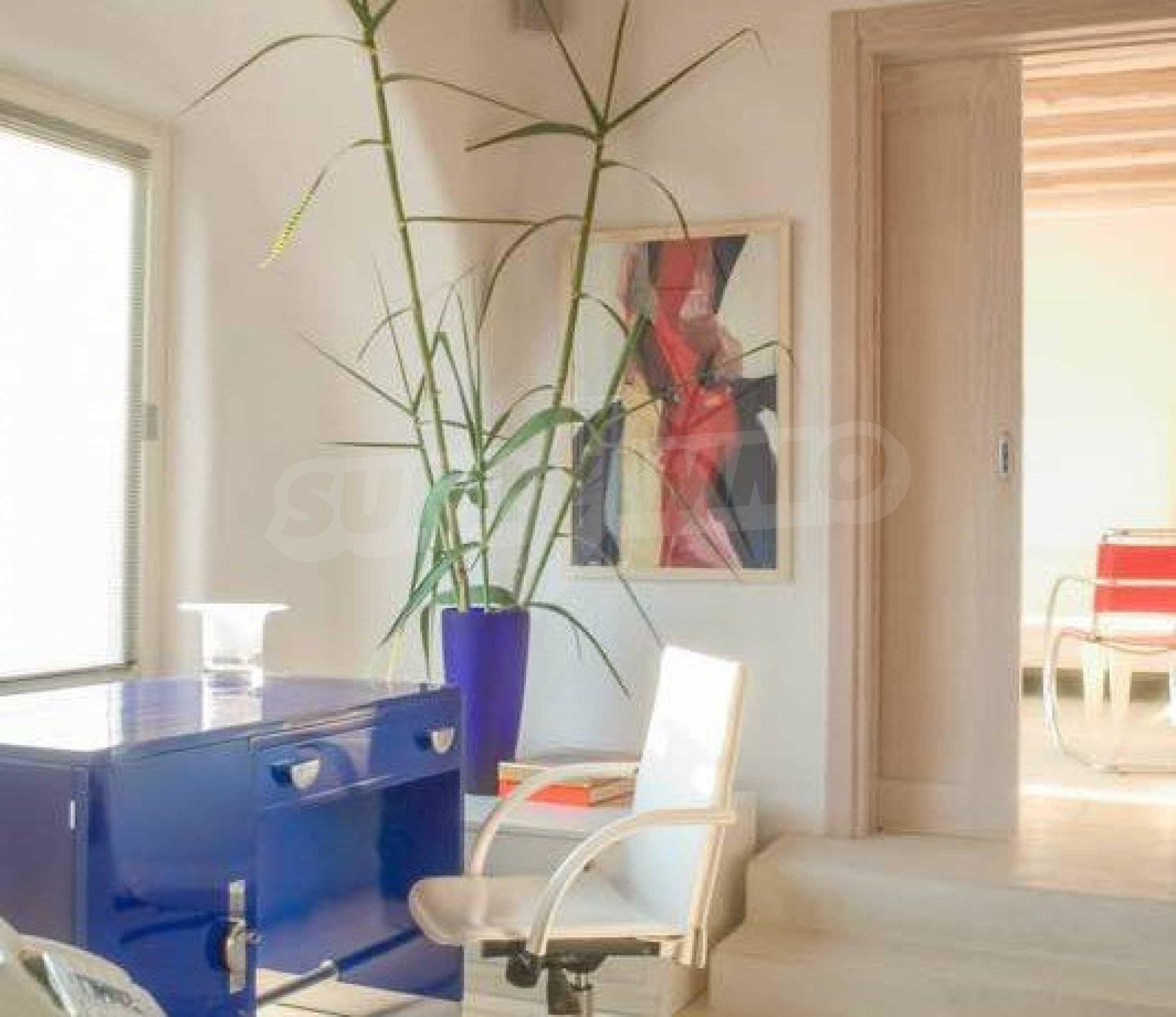 Величествена резиденция в Егейско море 22