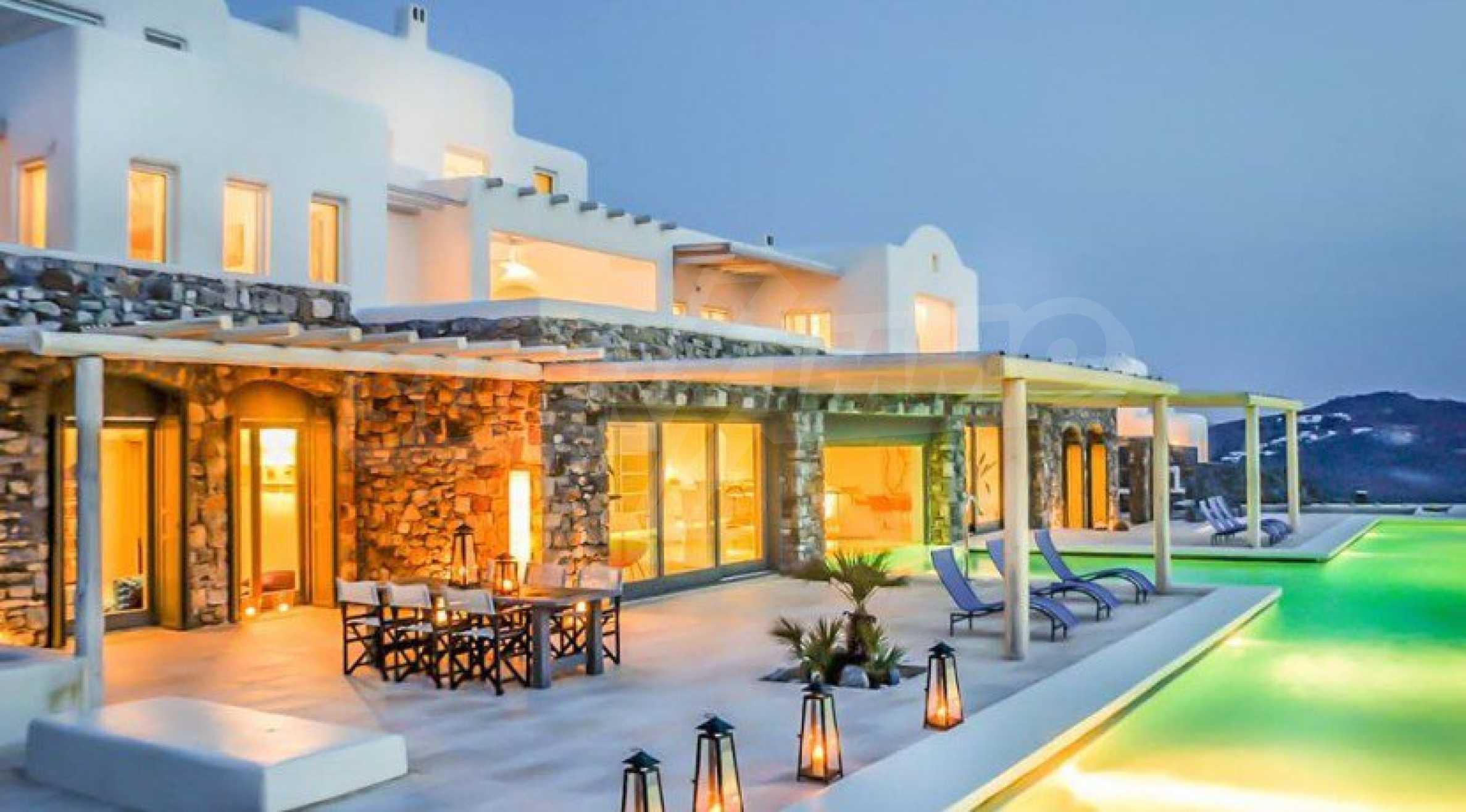 Величествена резиденция в Егейско море 2