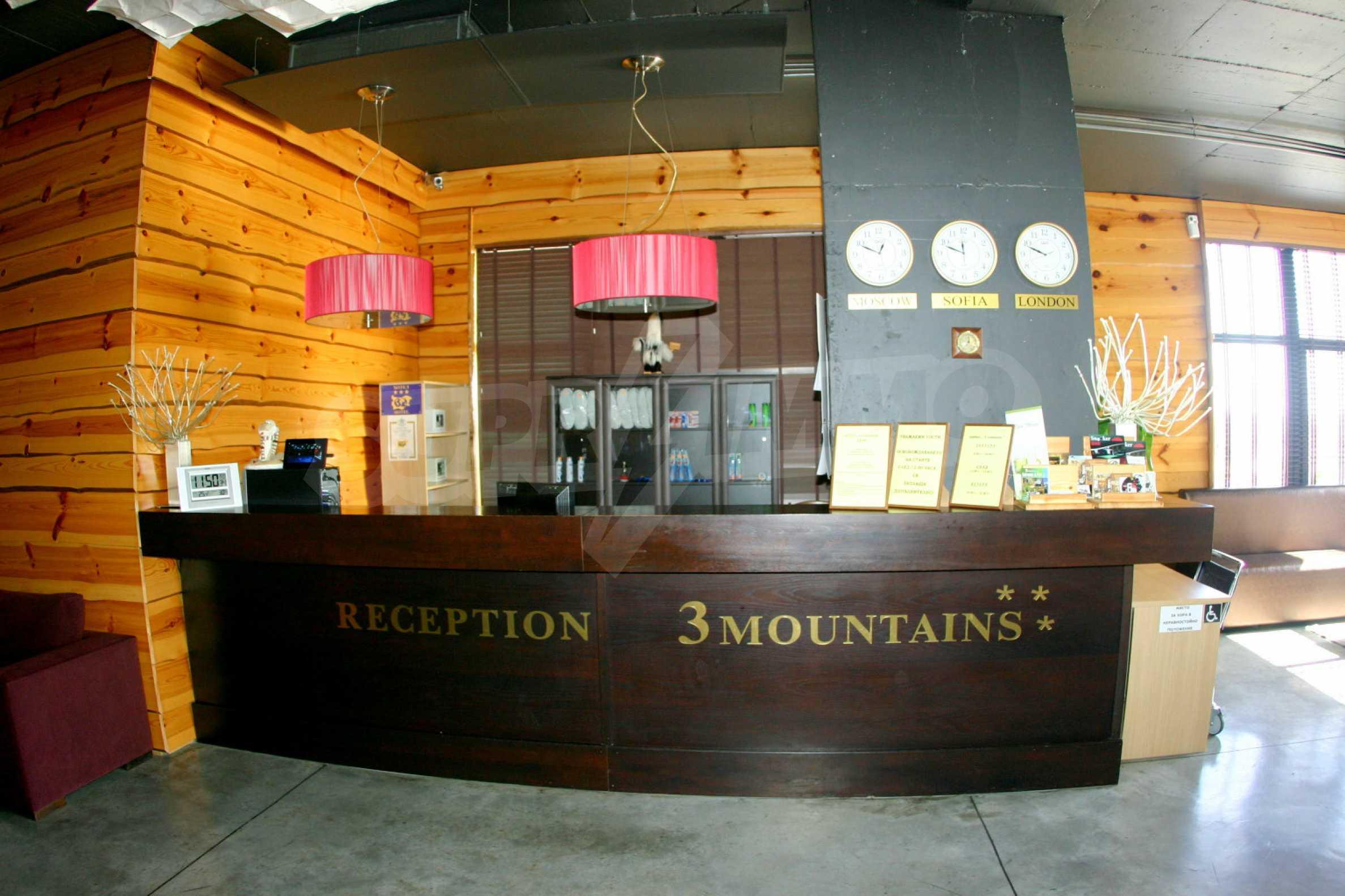 3 Mountains 67