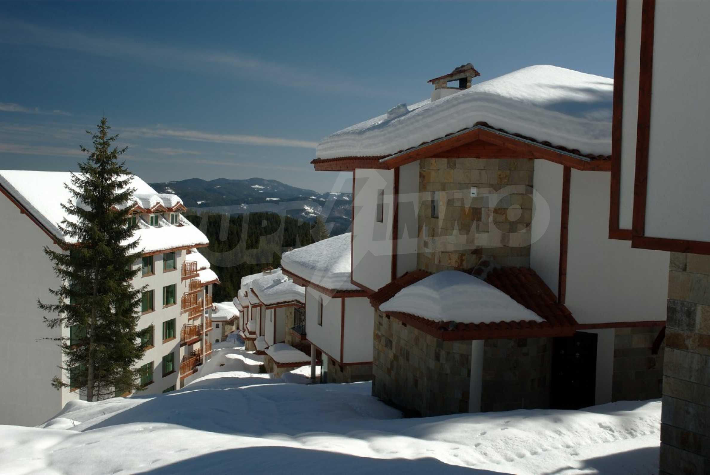 Апартаменти на атрактивни цени в планински ваканционен комплекс в Пампорово 25