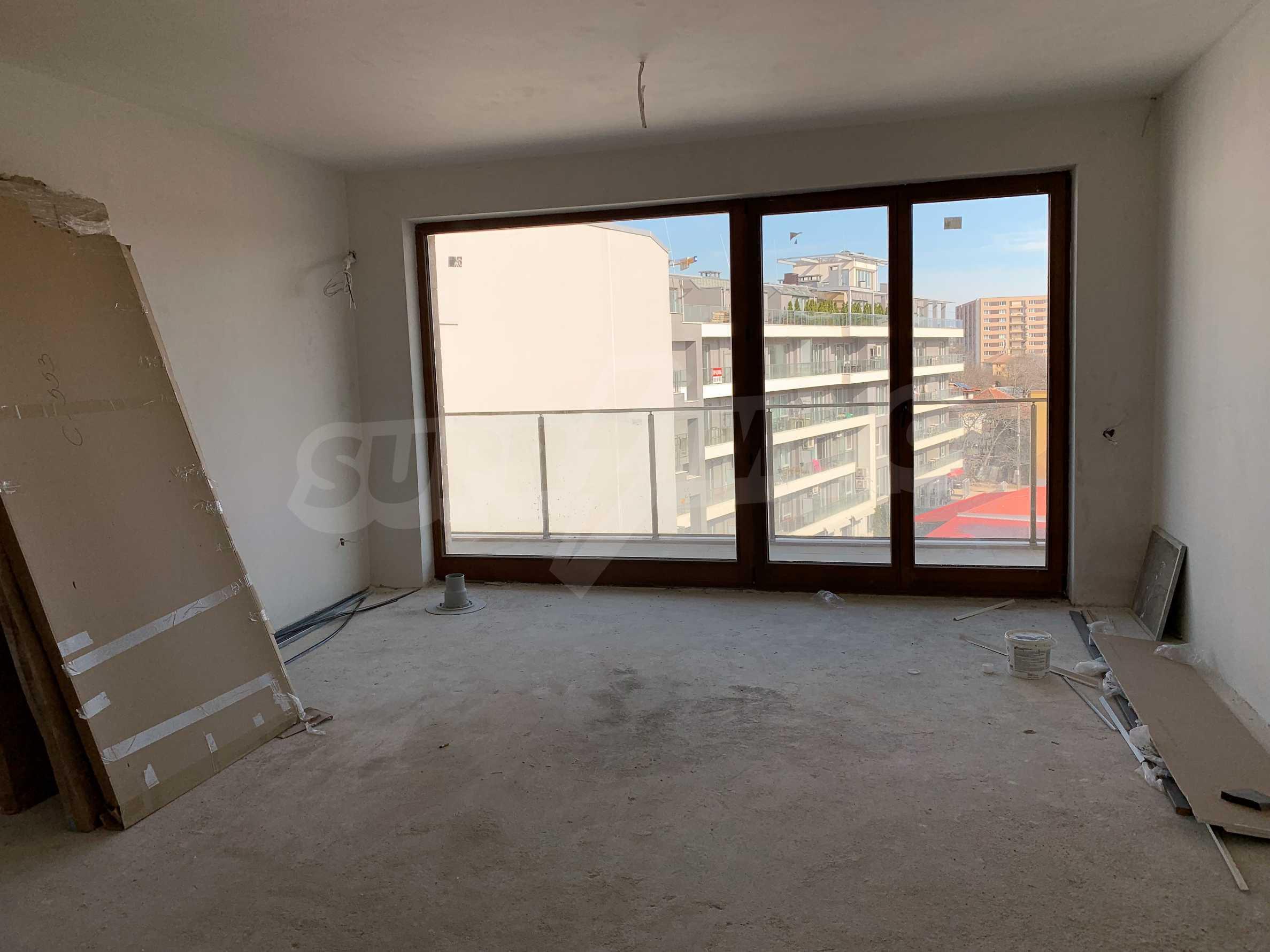 Двустаен апартамент в нова сграда, до Парадайс Мол и Южен парк 1