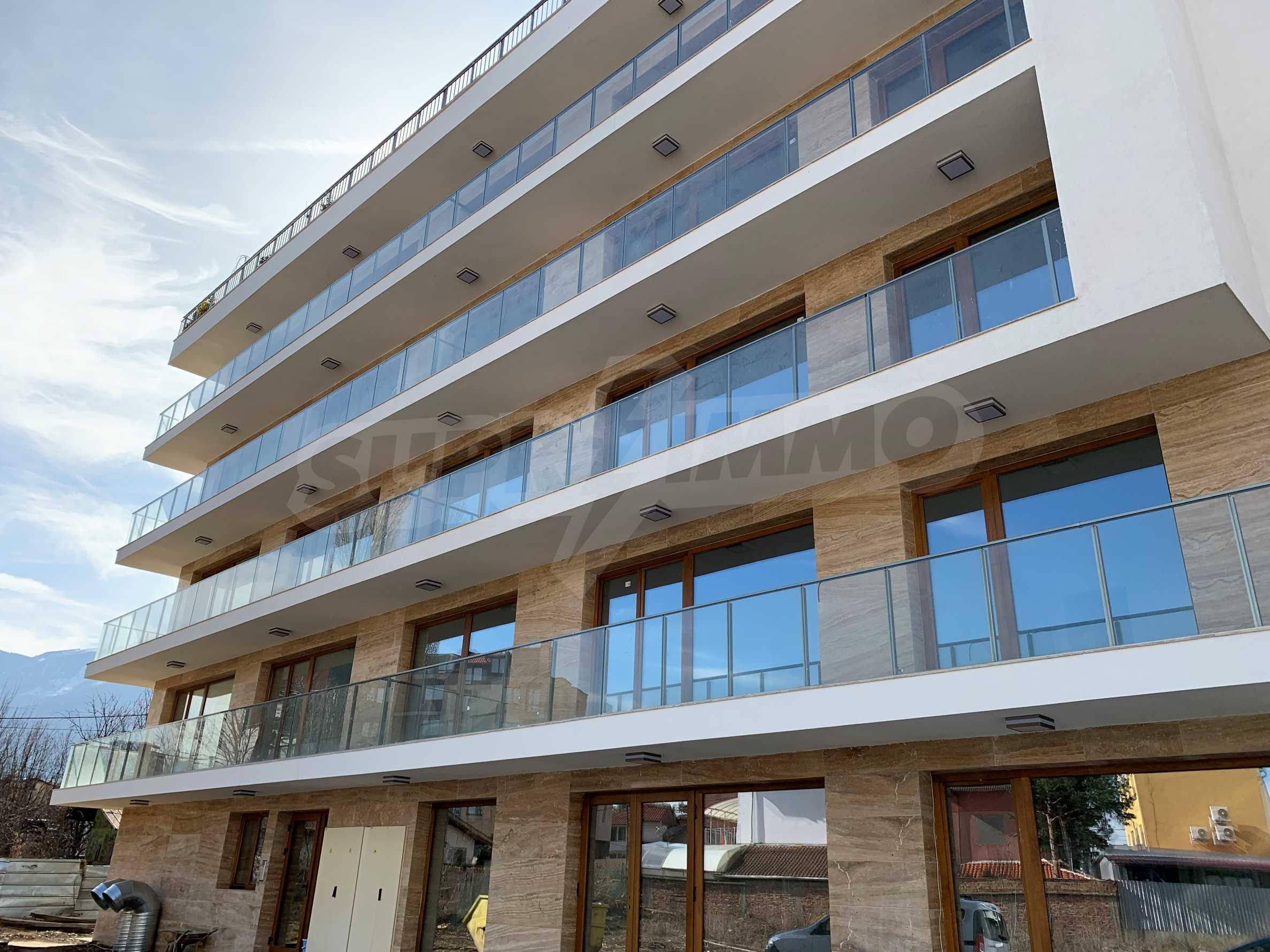 Двустаен апартамент в нова сграда, до Парадайс Мол и Южен парк 5