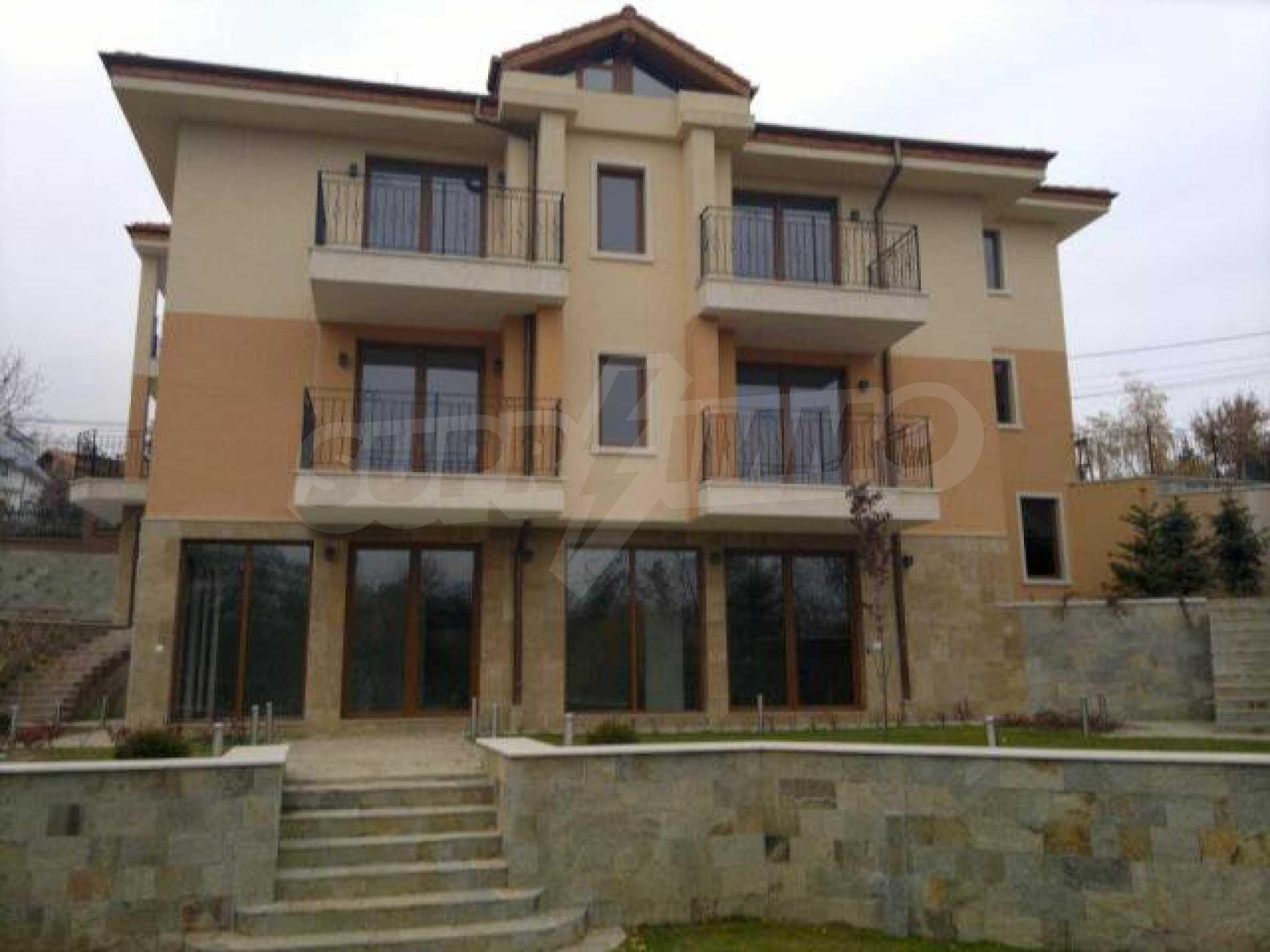 Нова еднофамилна къща в кв. Бояна