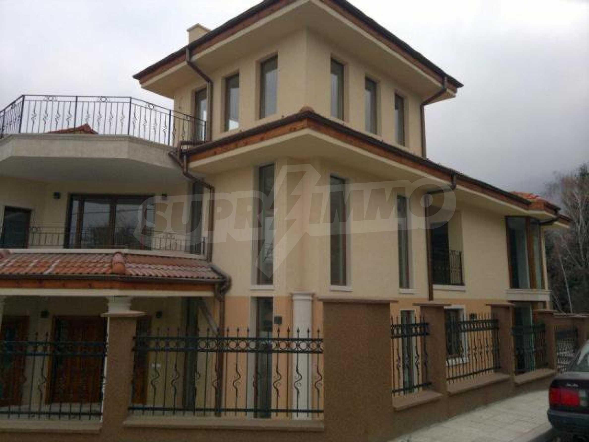 Нова еднофамилна къща в кв. Бояна 2