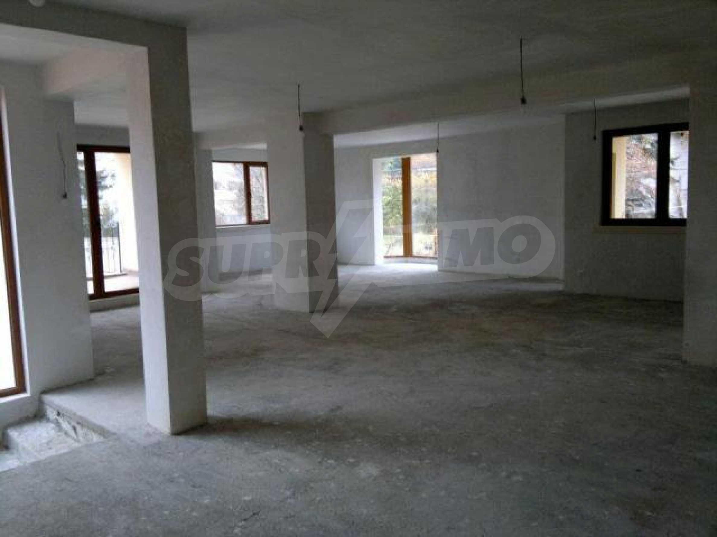 Нова еднофамилна къща в кв. Бояна 8