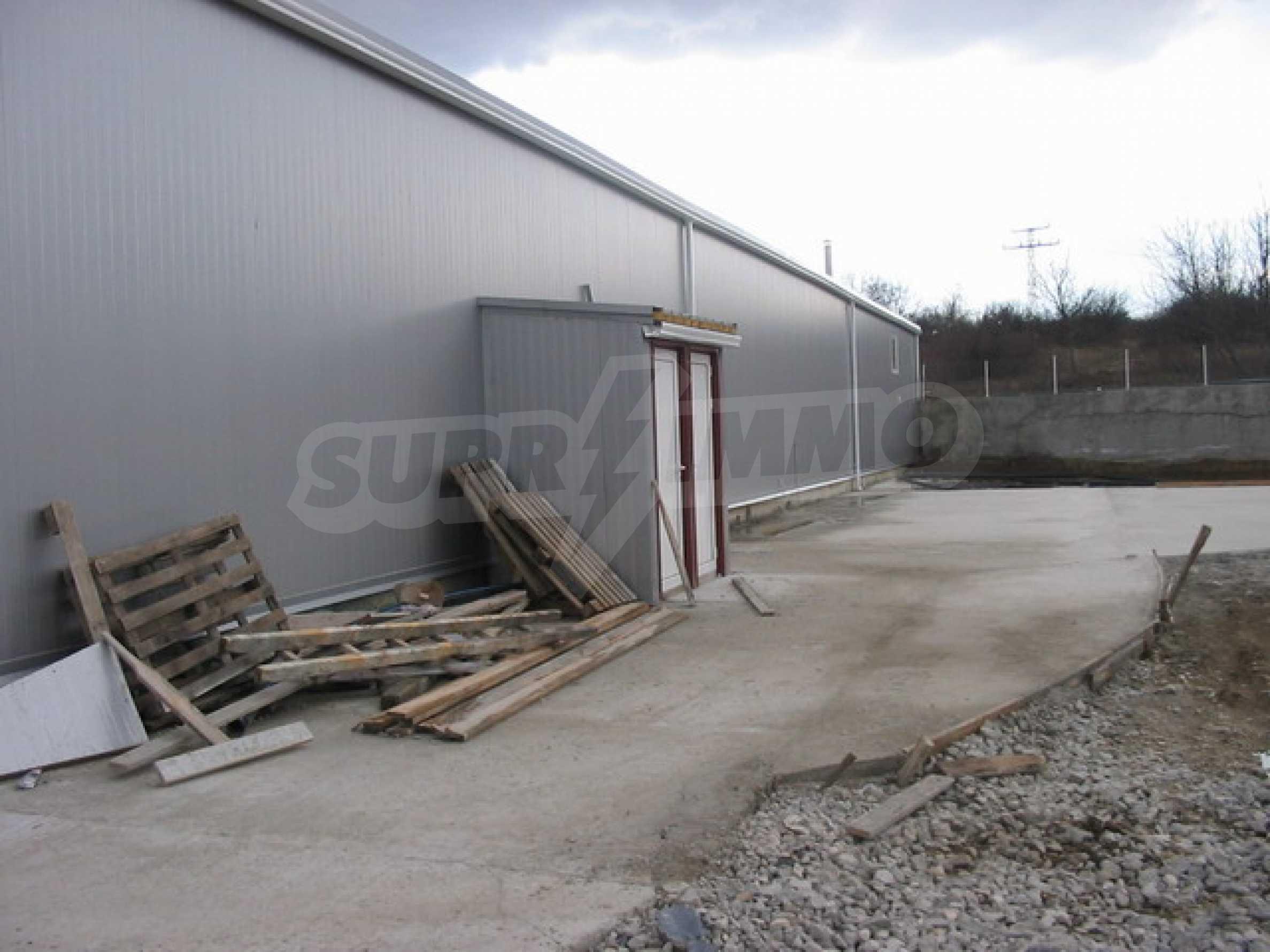 Produktionsgebäude im industriellen Teil von Veliko Tarnovo 14