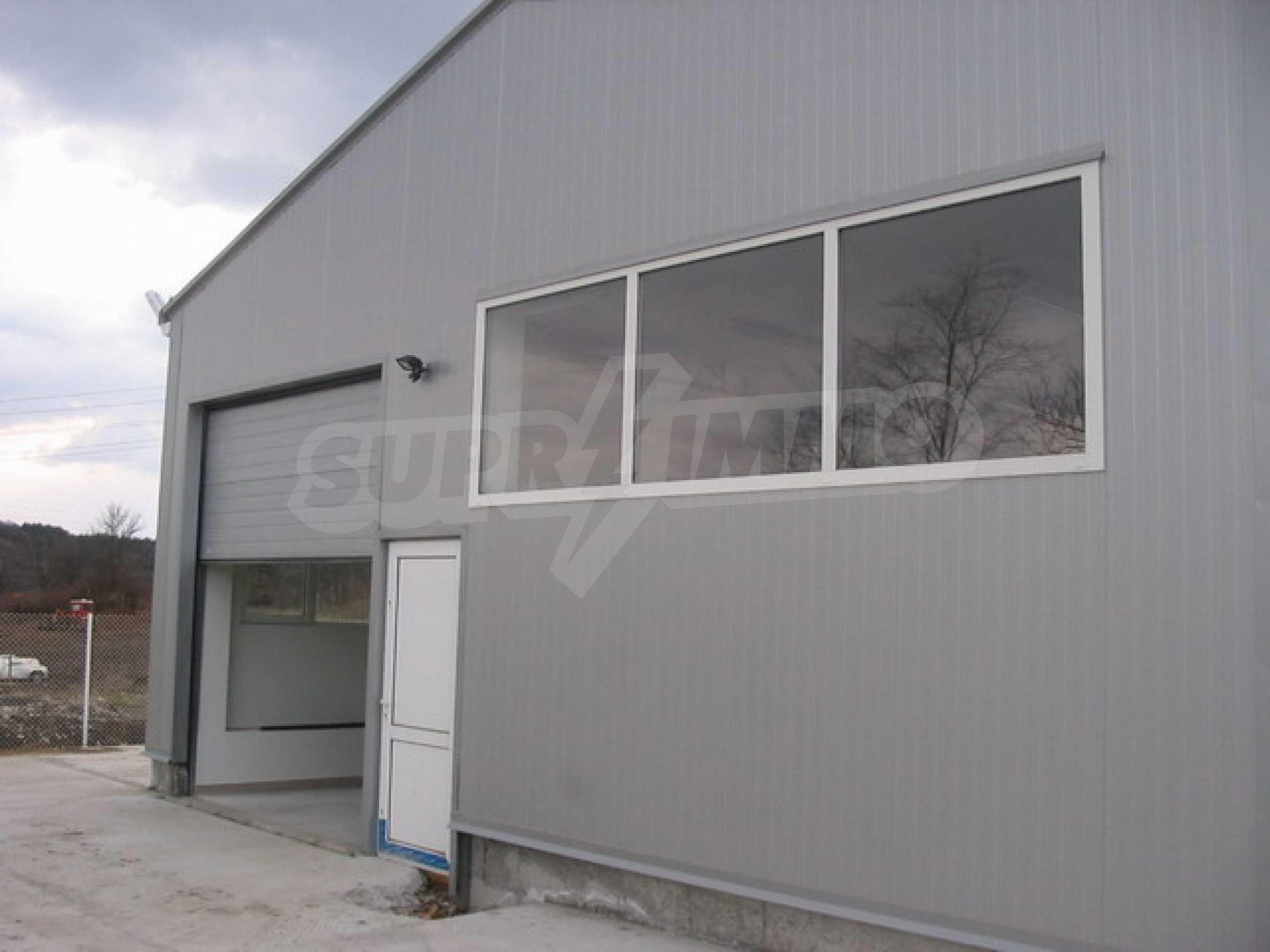 Produktionsgebäude im industriellen Teil von Veliko Tarnovo 15