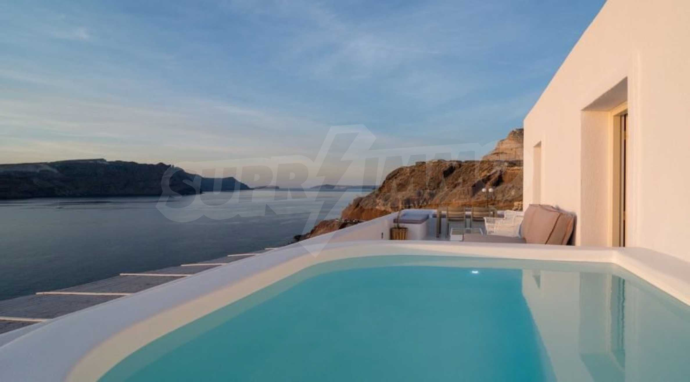 Грациозен имот с приказна гледка на остров Санторини 5