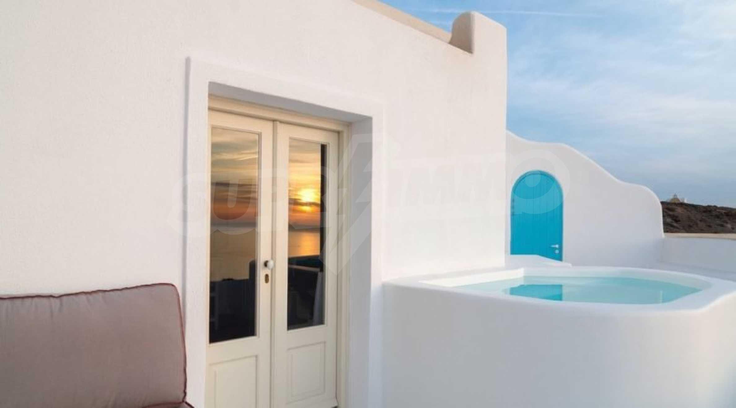 Грациозен имот с приказна гледка на остров Санторини 6