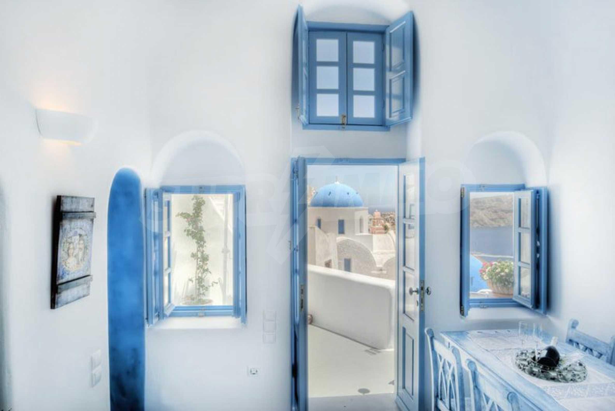 Кокетен суит с гледка към Калдерата на остров Санторини 3