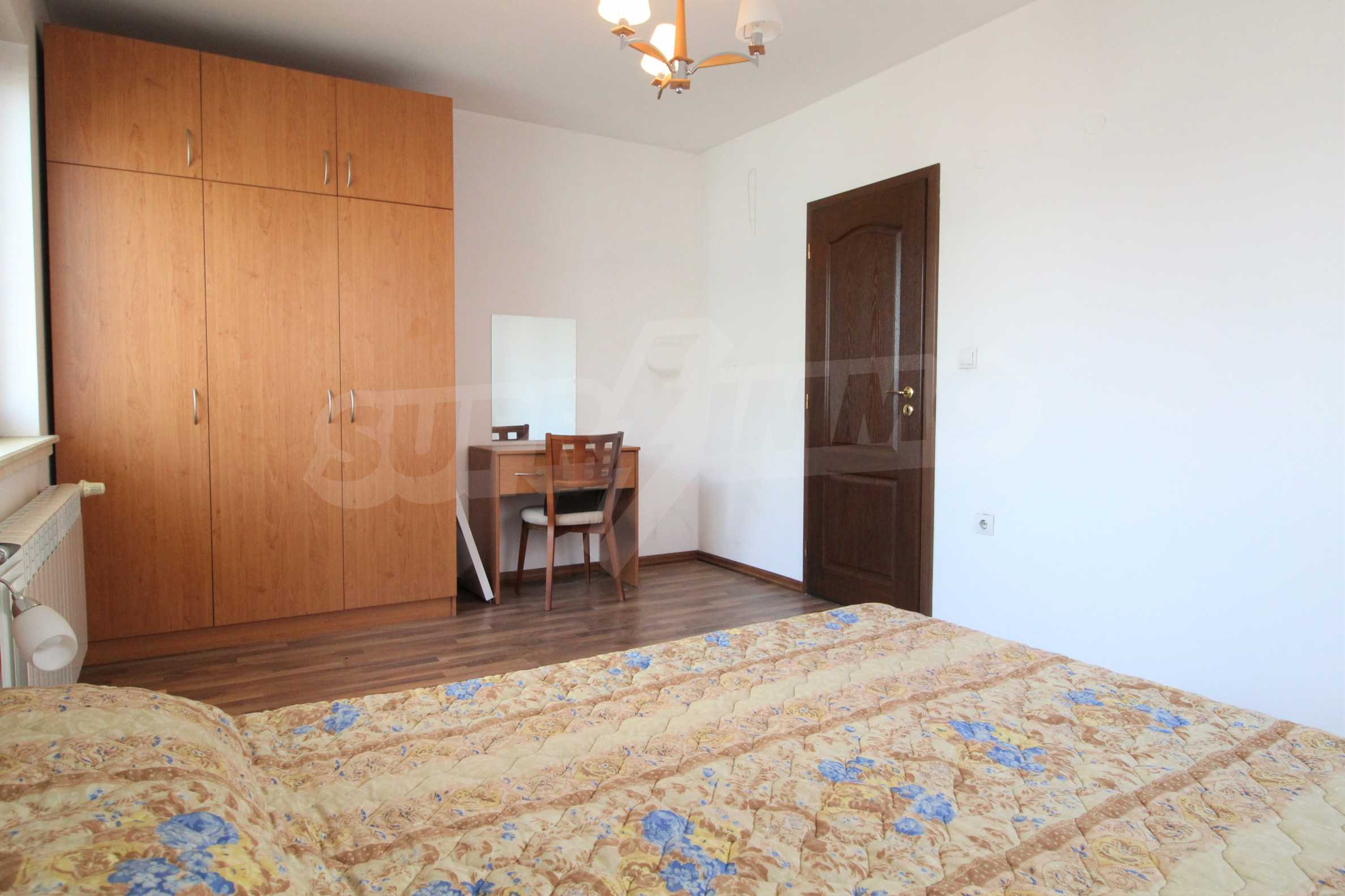 Просторен апартамент с камина в Банско 12