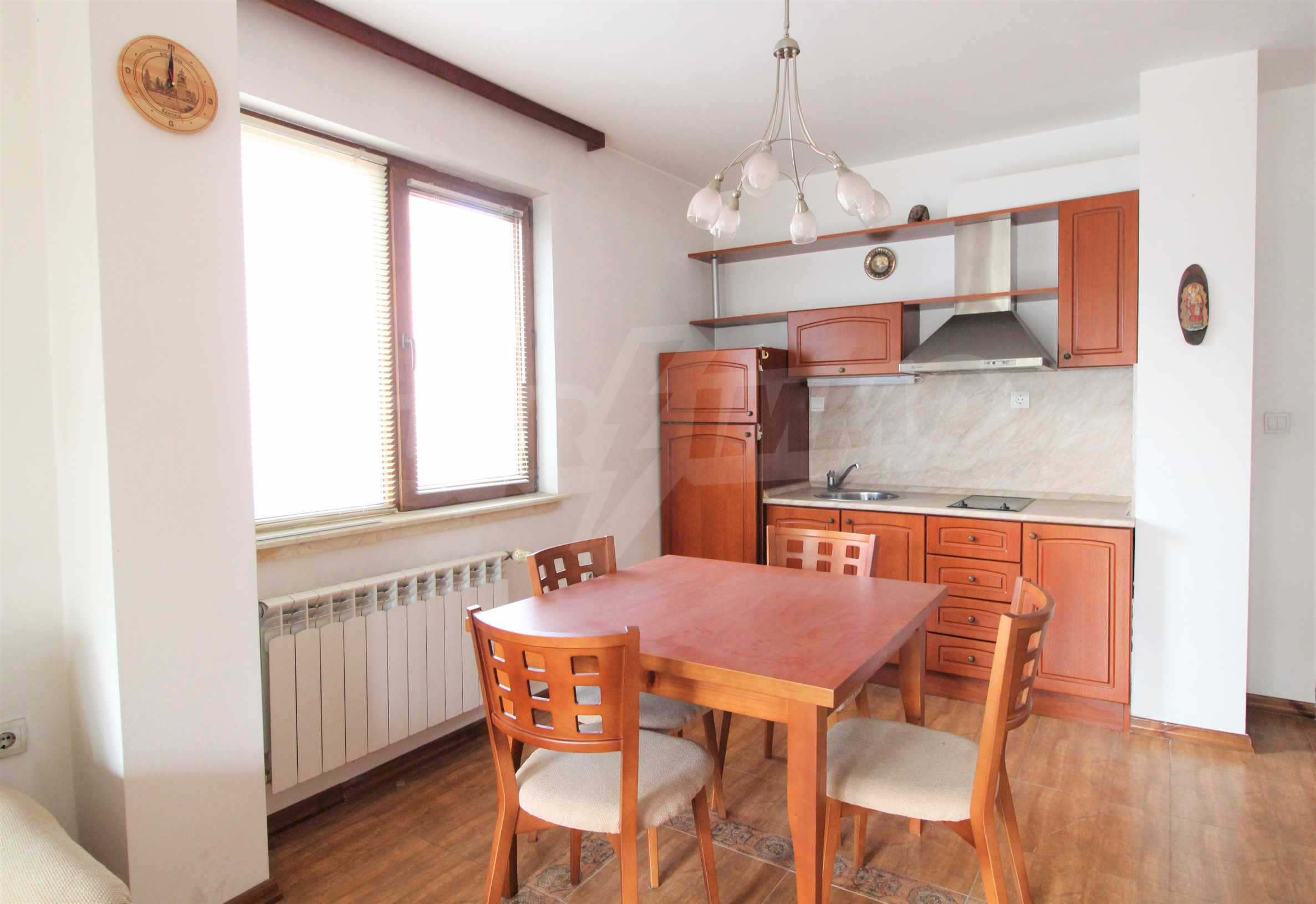 Просторен апартамент с камина в Банско 1