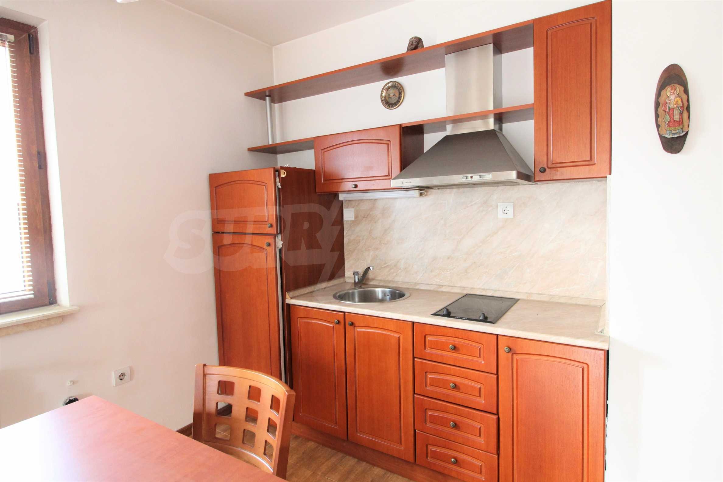 Просторен апартамент с камина в Банско 2