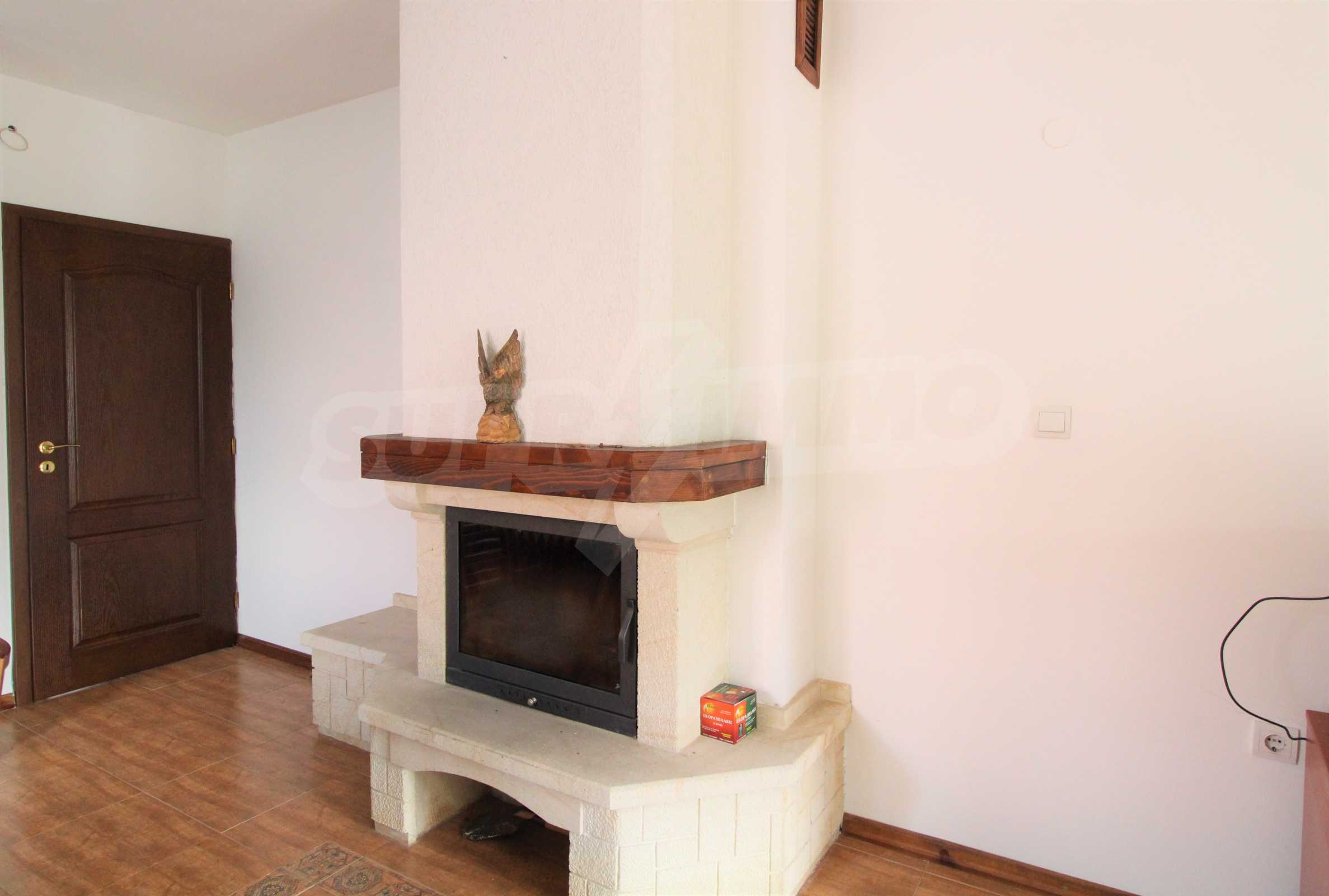 Просторен апартамент с камина в Банско 5