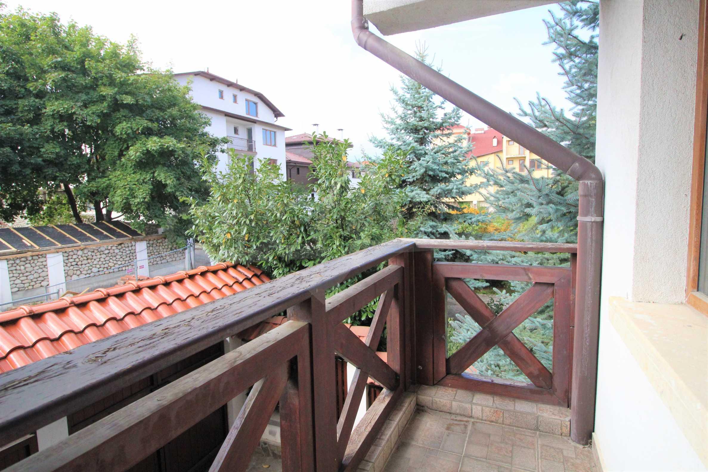 Просторен апартамент с камина в Банско 7
