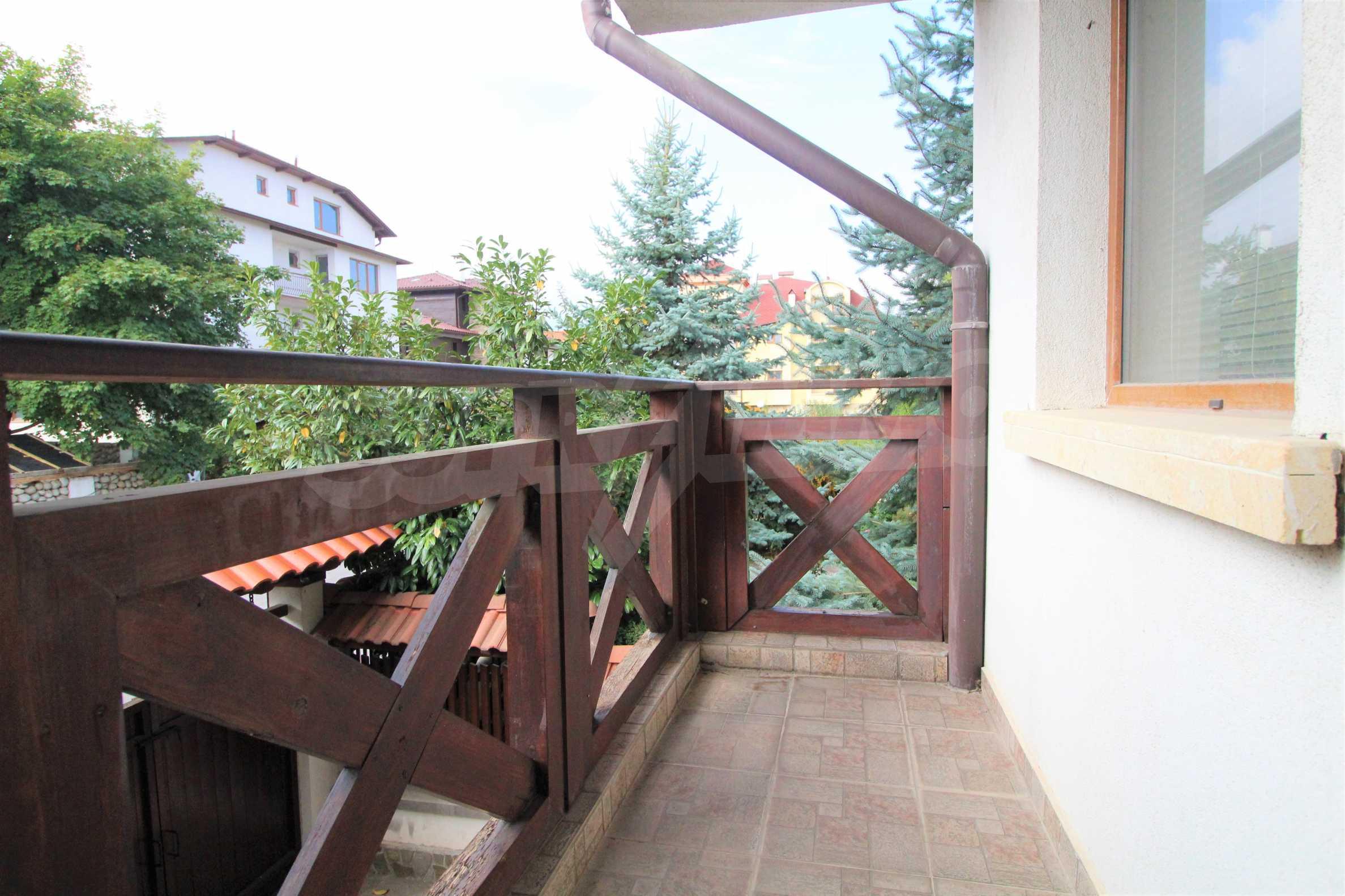 Просторен апартамент с камина в Банско 8