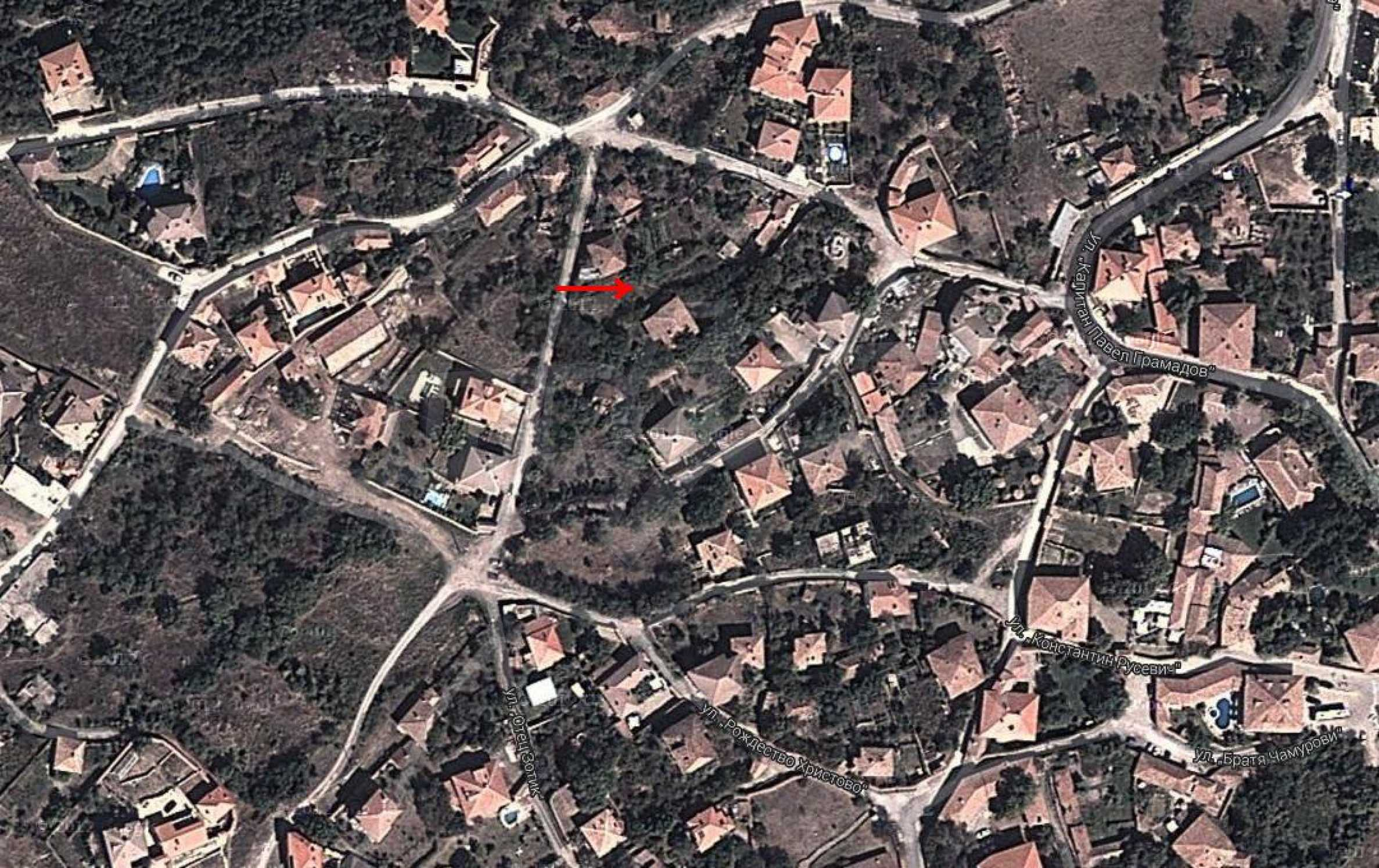 Plot  of land in Arbanassi  with great location 9