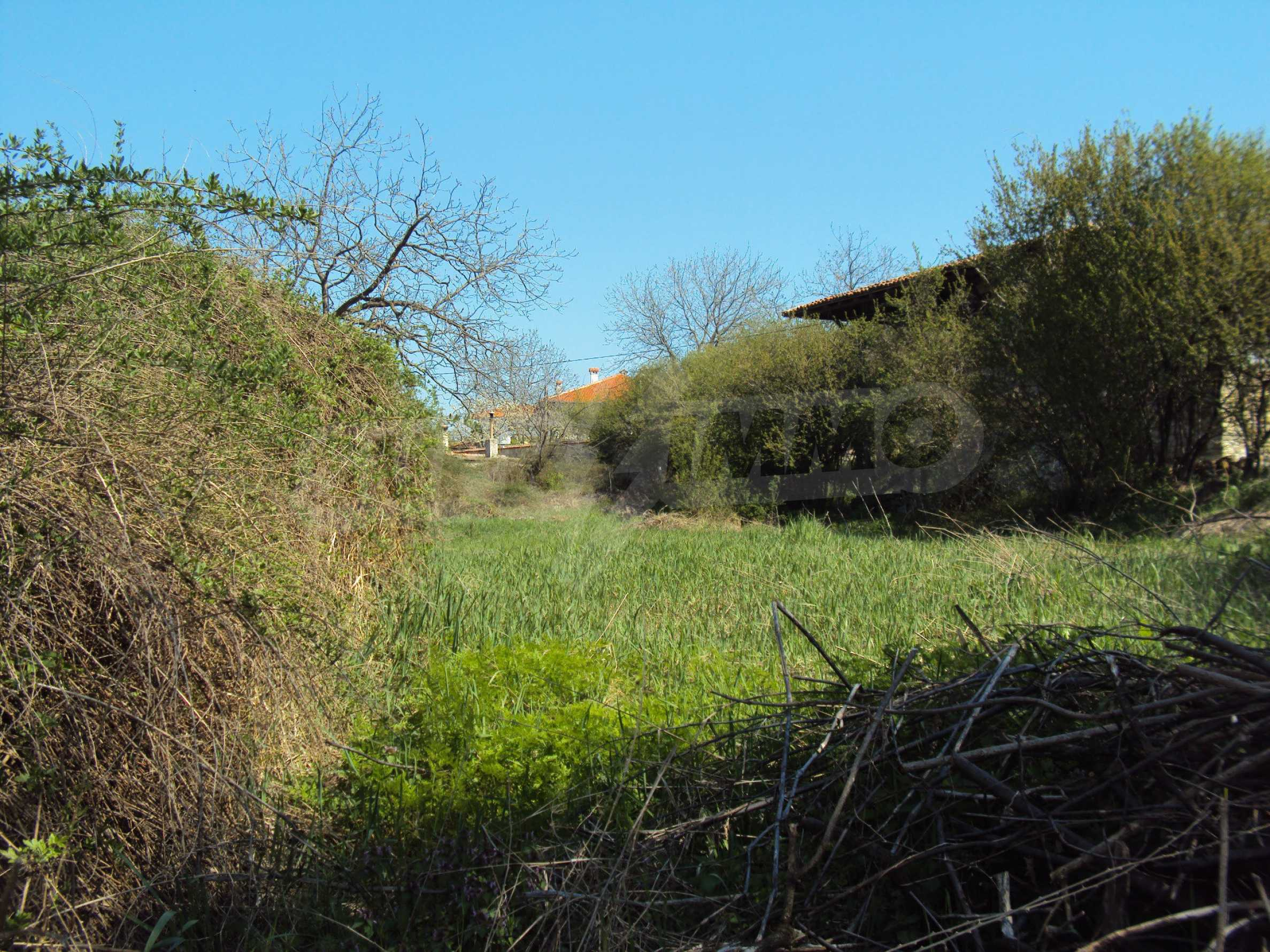 Plot  of land in Arbanassi  with great location 2