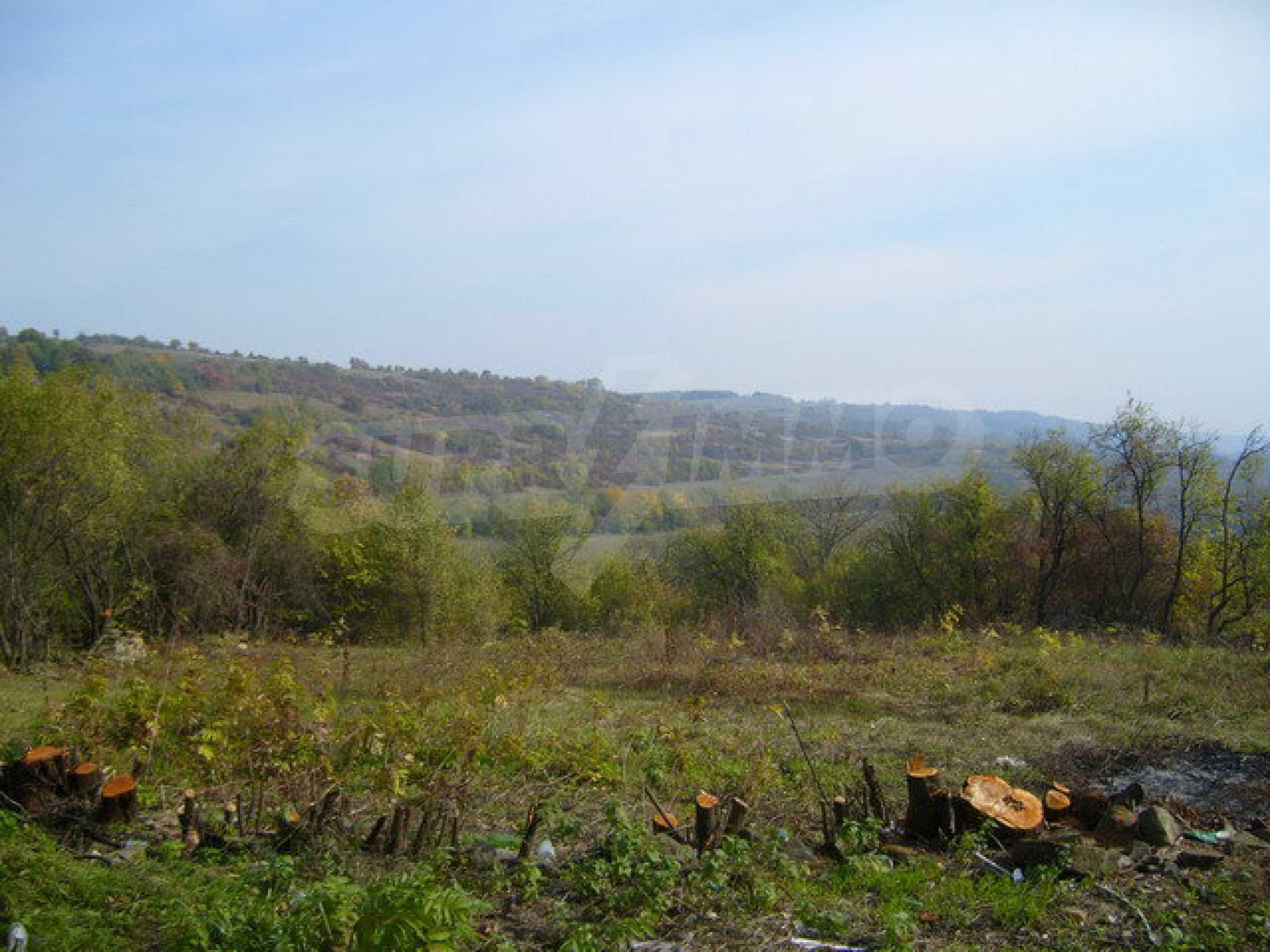 Земельный участок в деревне с красивым пейзажем