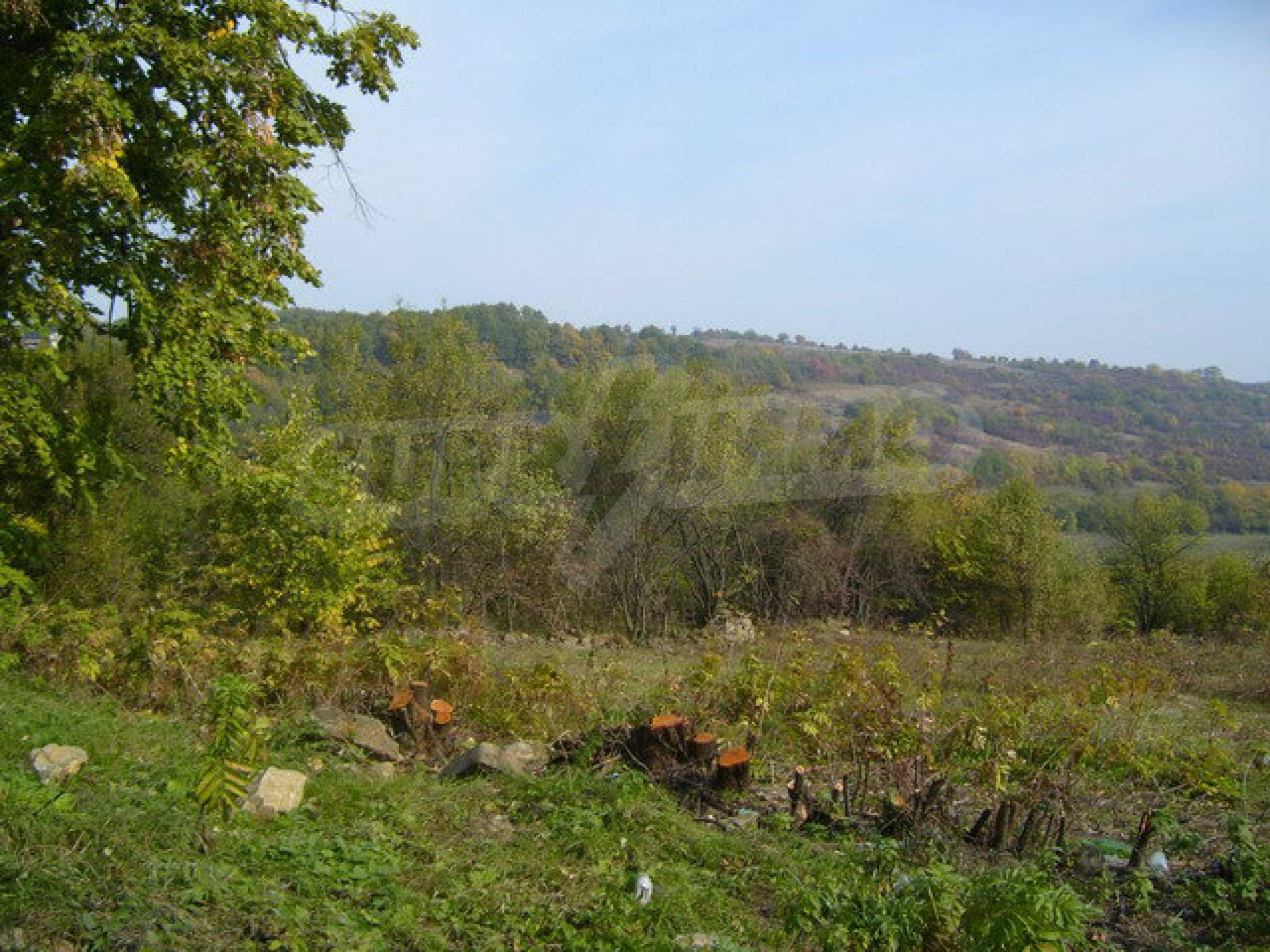 Земельный участок в деревне с красивым пейзажем 1