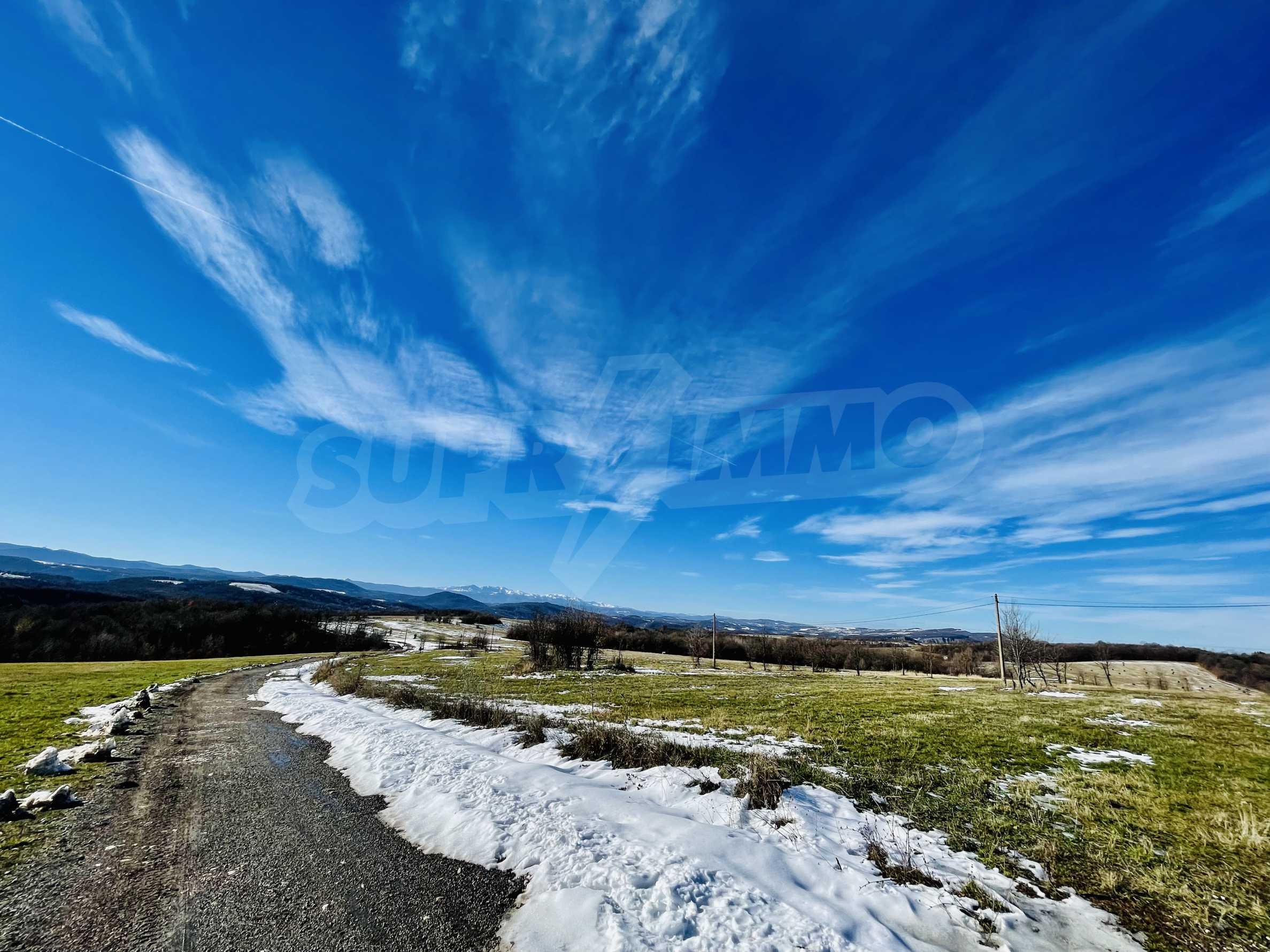 Ackerland in den Bergen 29 km von Dryanovo entfernt 2